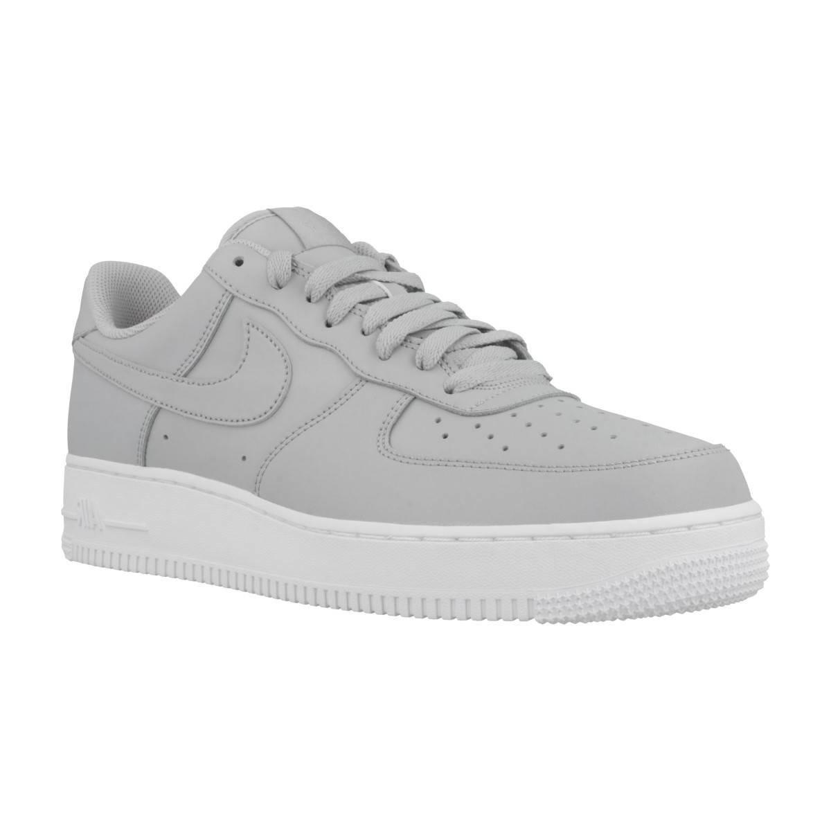 wholesale dealer 47e31 80077 Gallery. Previously sold at  Spartoo · Men s Nike Air ...