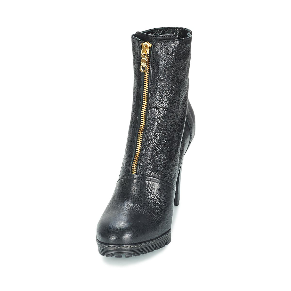 Love Moschino Spara Women's Low Boots In Black