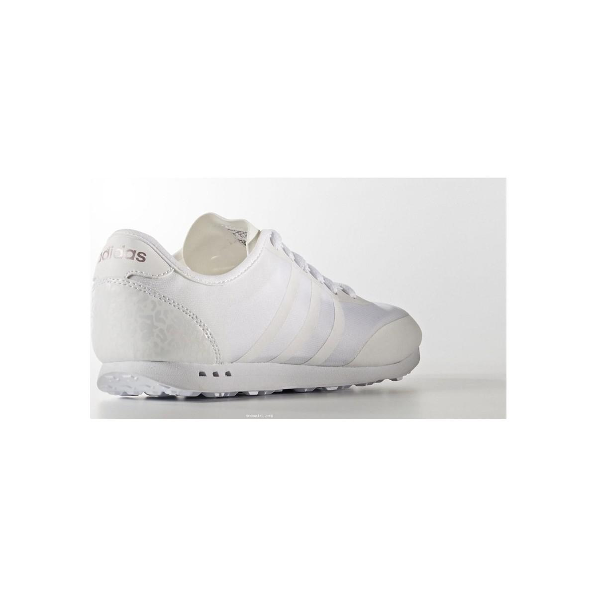 adidas Cloudfoam Groove Neo Women's Shoes (trainers) In White