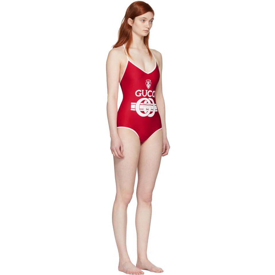 103934eb6a5f19 Lyst - Maillot de bain rouge et blanc casse Logo Crest Gucci en ...