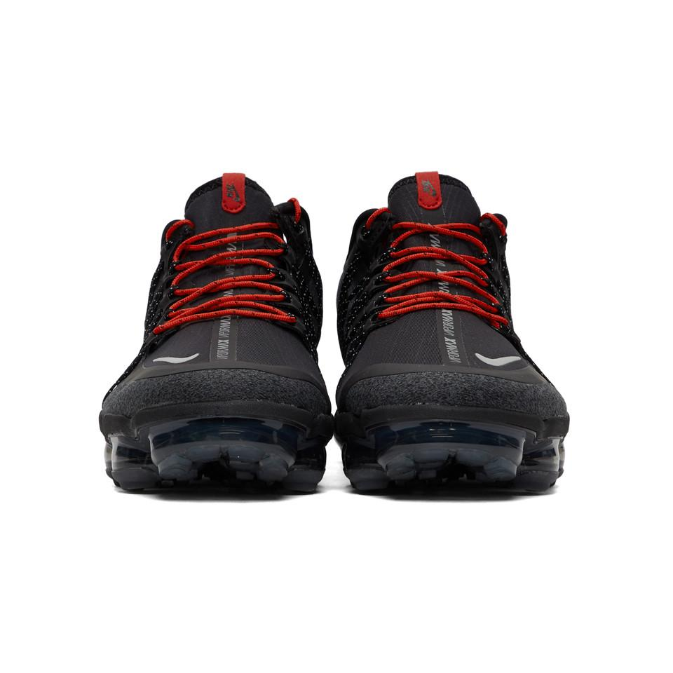 c1f924a2dd Nike Black And Red Air Vapormax Run Utility Sneakers in Black for ...