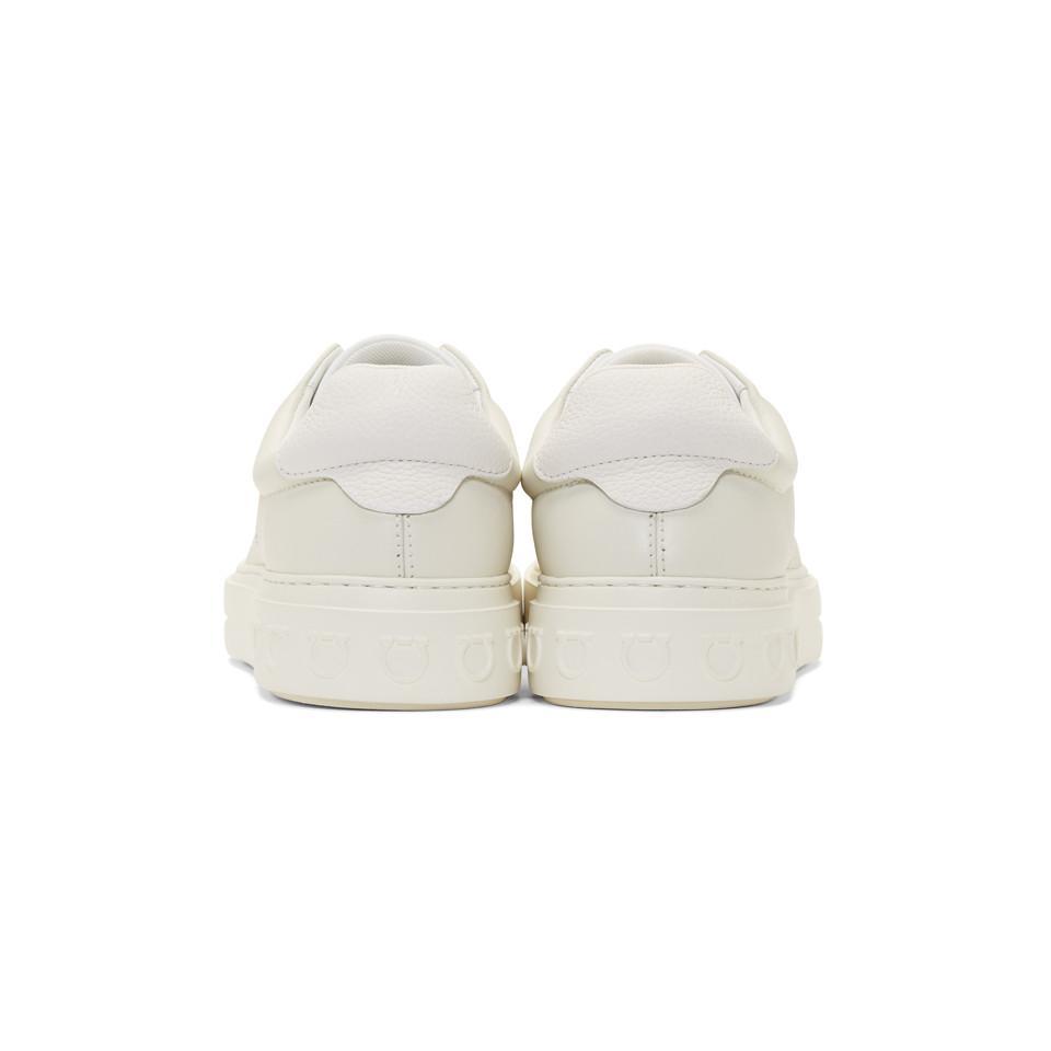 Baskets a enfiler blanc casse Gancini Cuir Ferragamo pour homme en coloris Blanc HVID