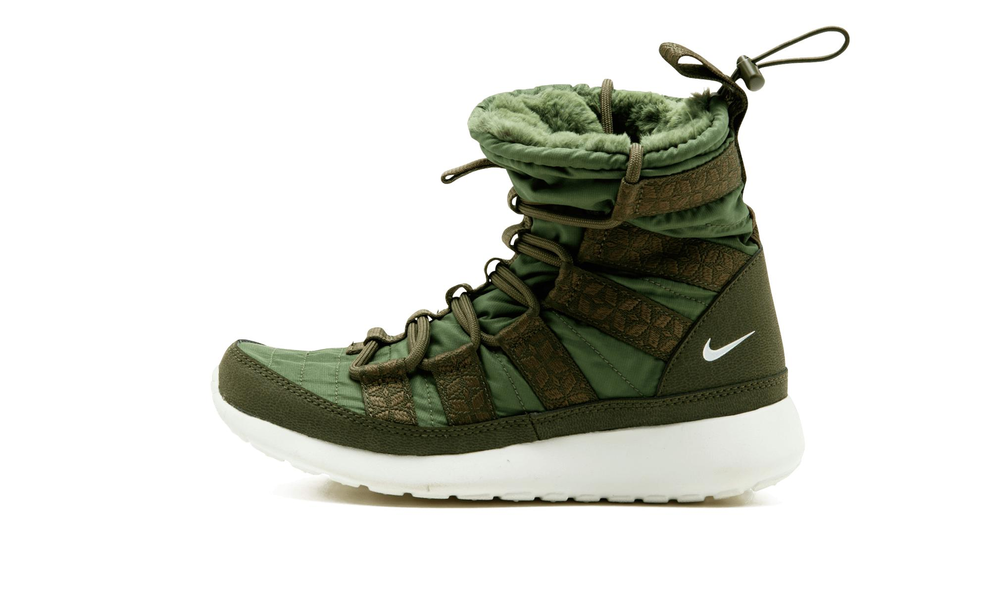 7cb3f46104c73 Lyst - Nike Wmns Rosherun Hi Sneakerboot in Green