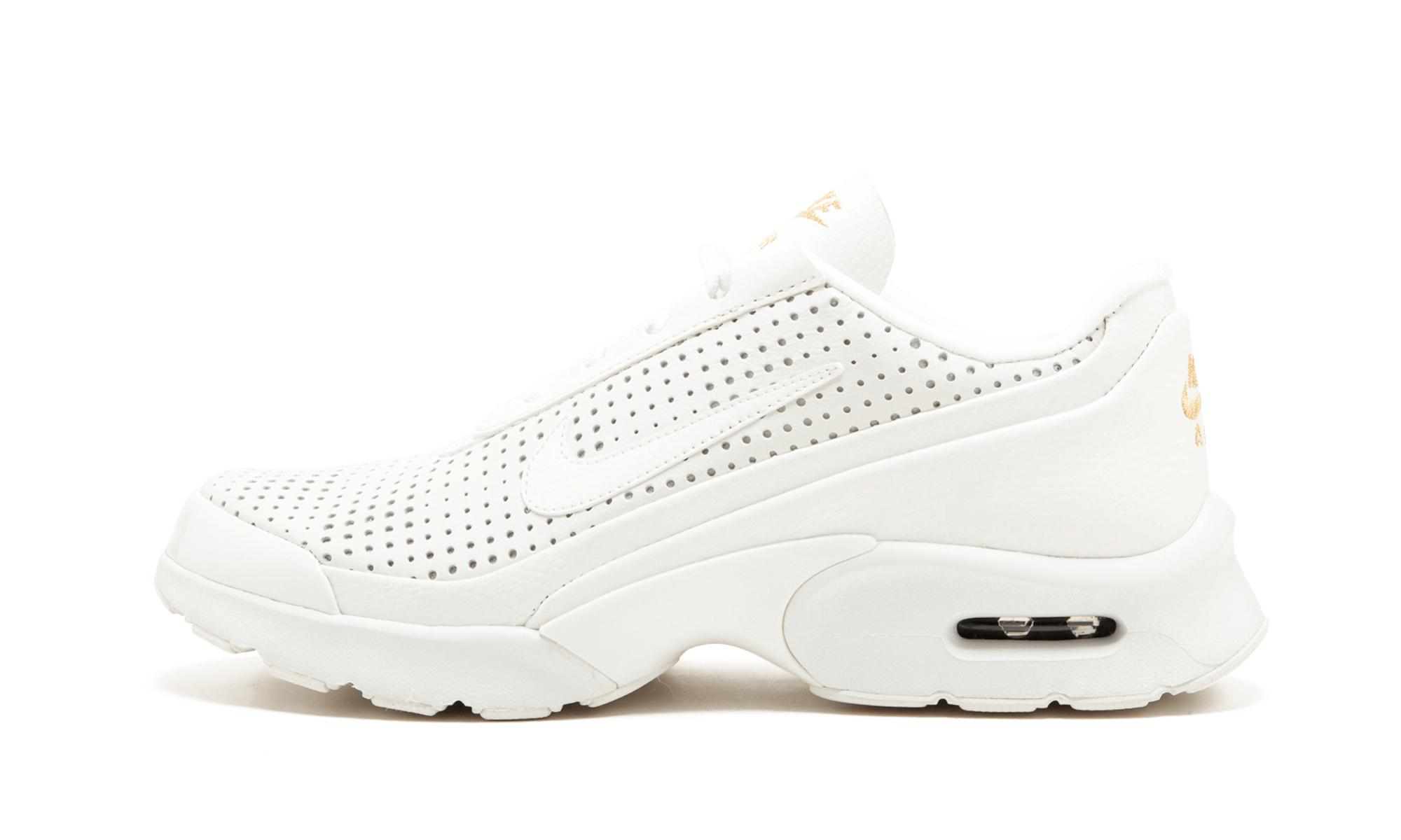 aa2f220c3e49 ... premium selection 9a4cf f46ed Nike. White Womens Air Max Jewell .. ...