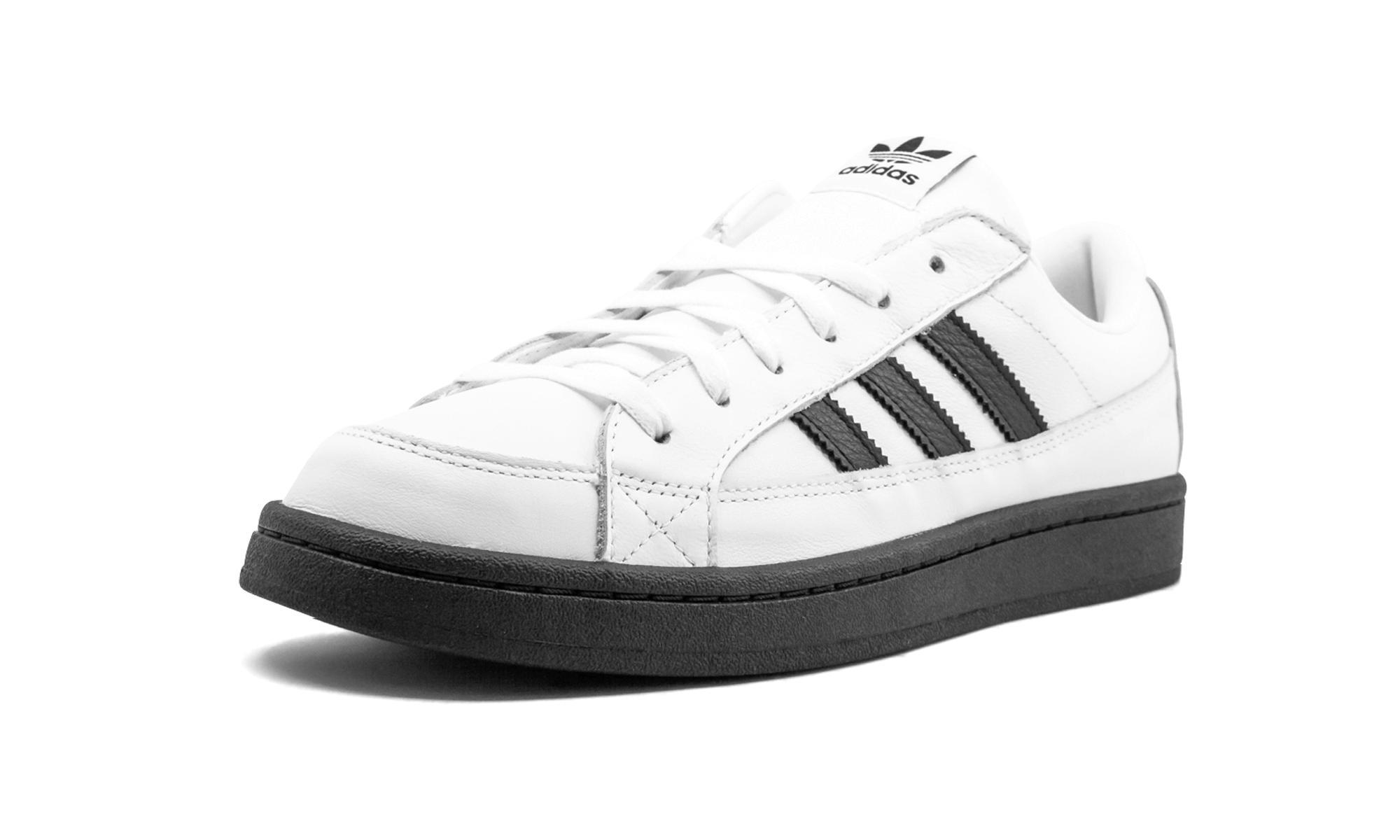 Sobriquette adidas palace camton white