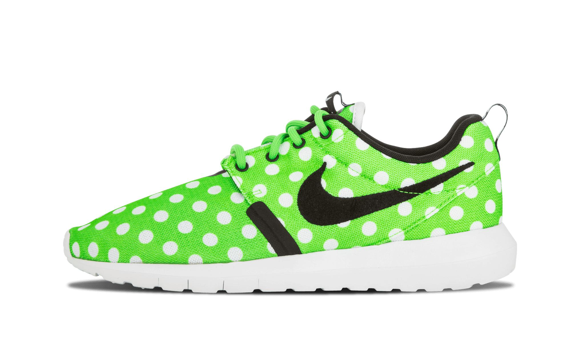 980dfc9195aa0 Nike Roshe Nm Qs in Green for Men - Save 7% - Lyst