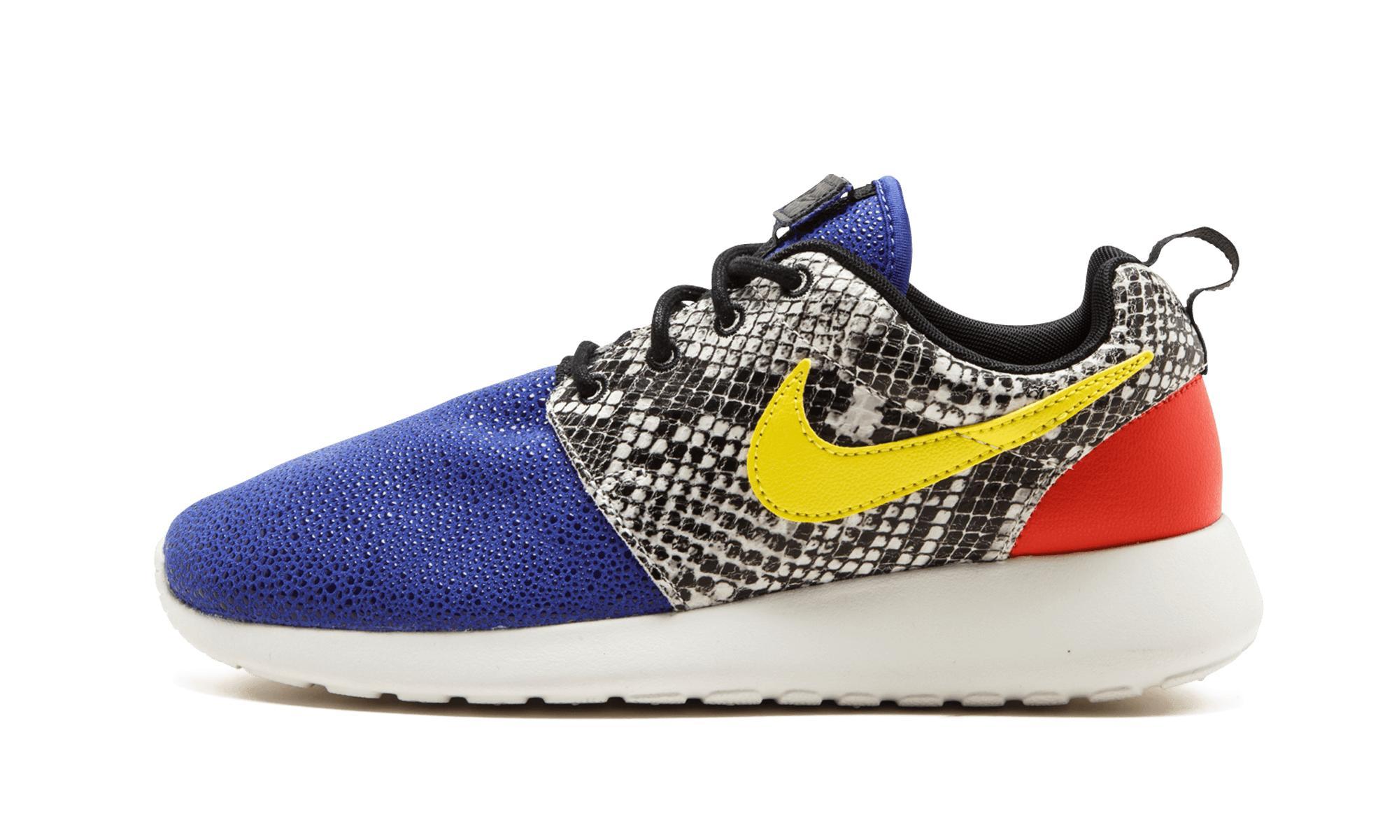 huge discount 764cd 5b4a8 Nike. Women s Blue Wmns Roshe One Lx
