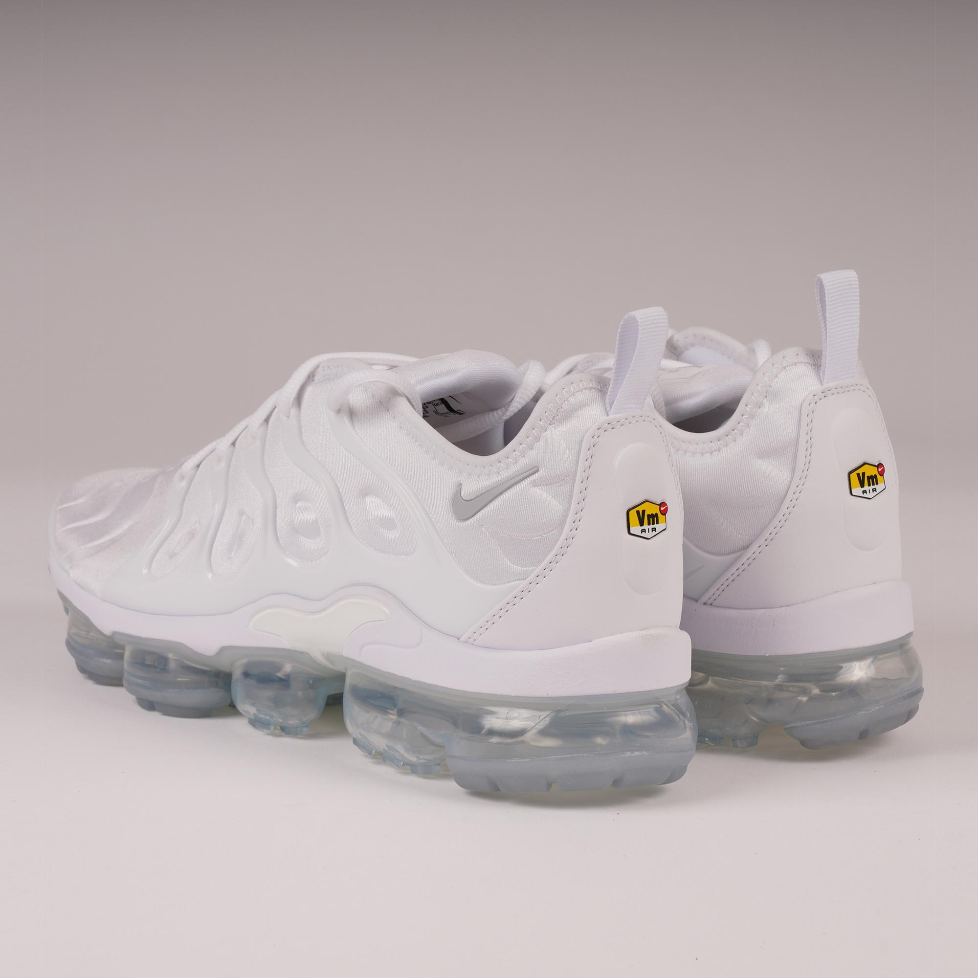 6f9ea62668d180 Lyst - Nike Air Vapormax Plus - White   Pure Platinum in White for Men