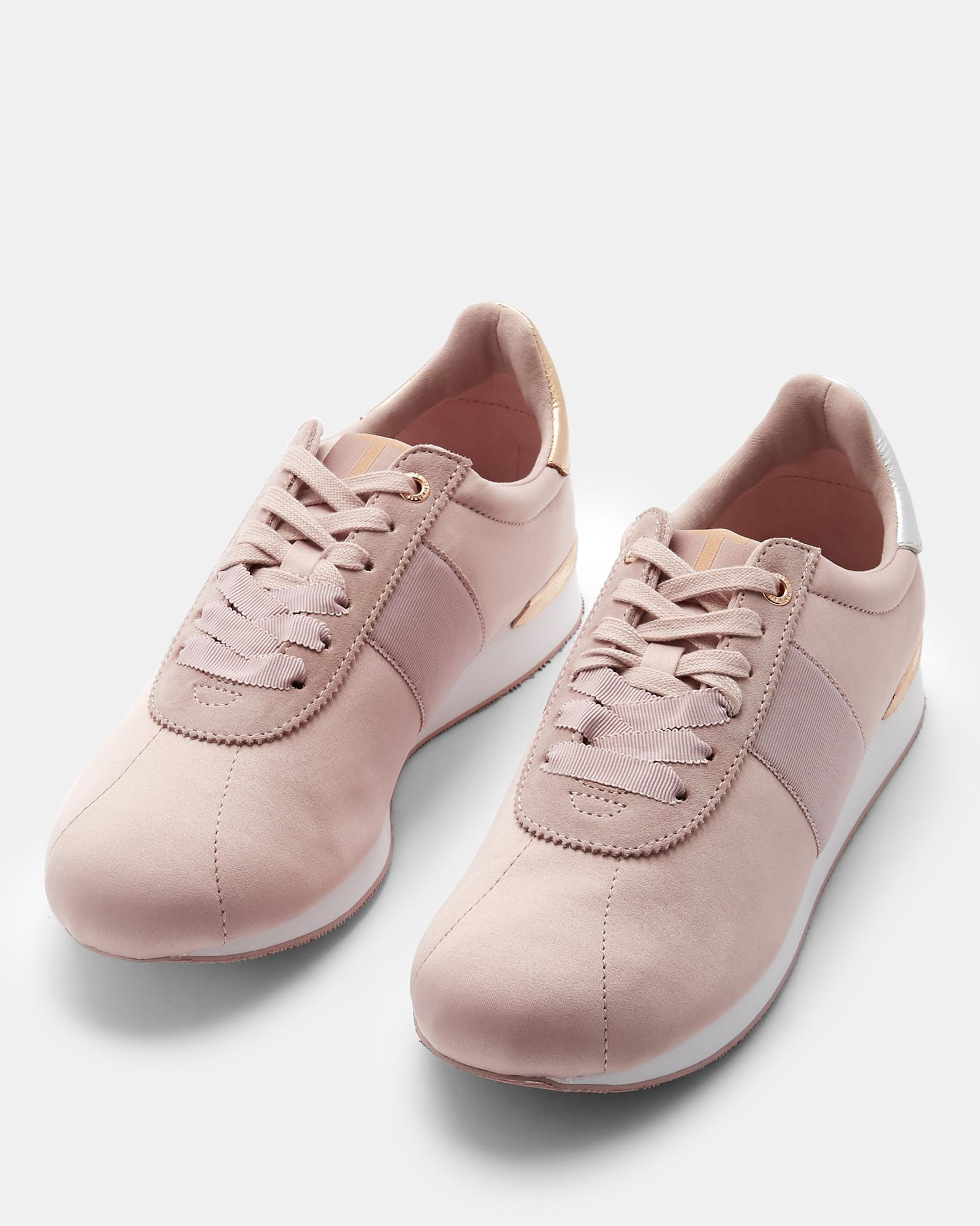 Retro Runner Trainers in Light Pink