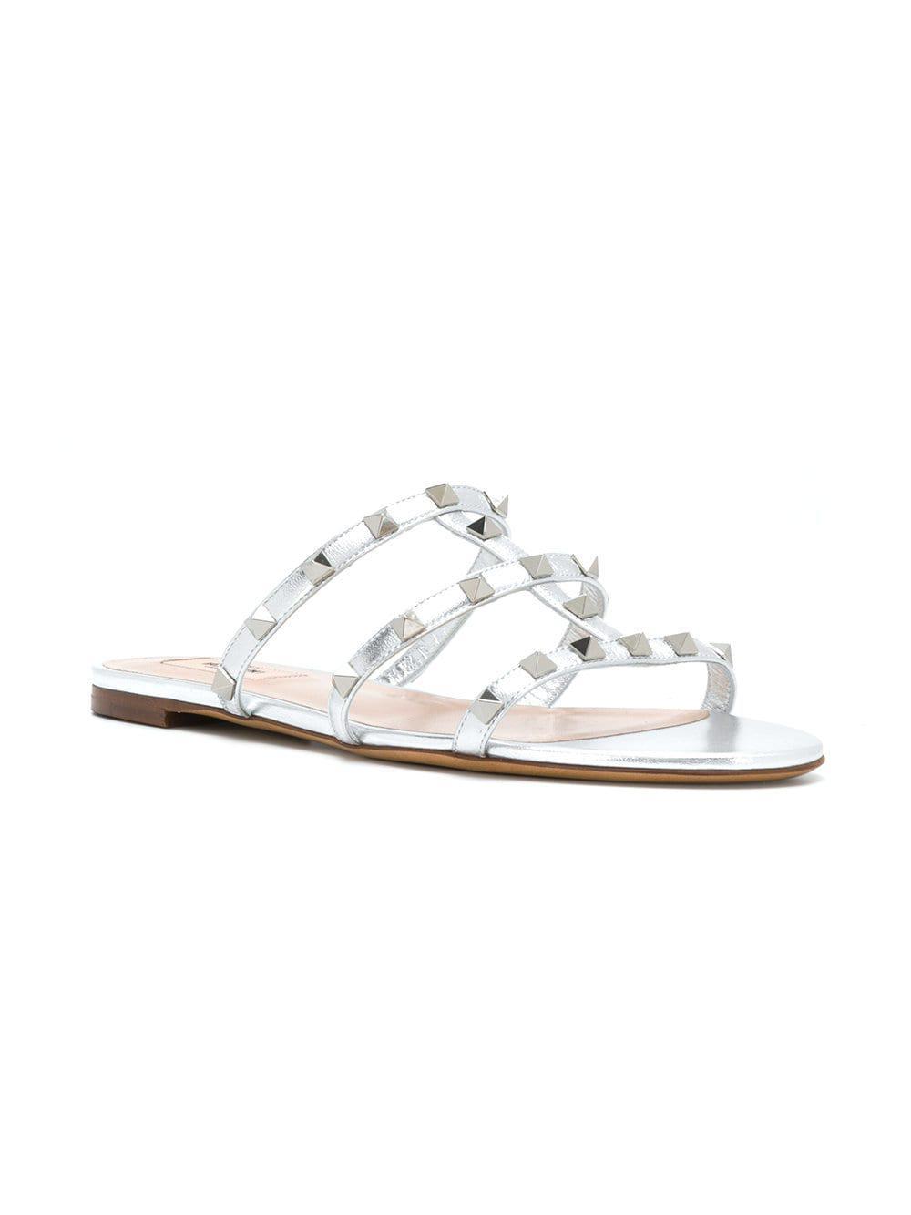 e88ae3b2b Valentino Rockstud Leather Sandals in Metallic - Lyst