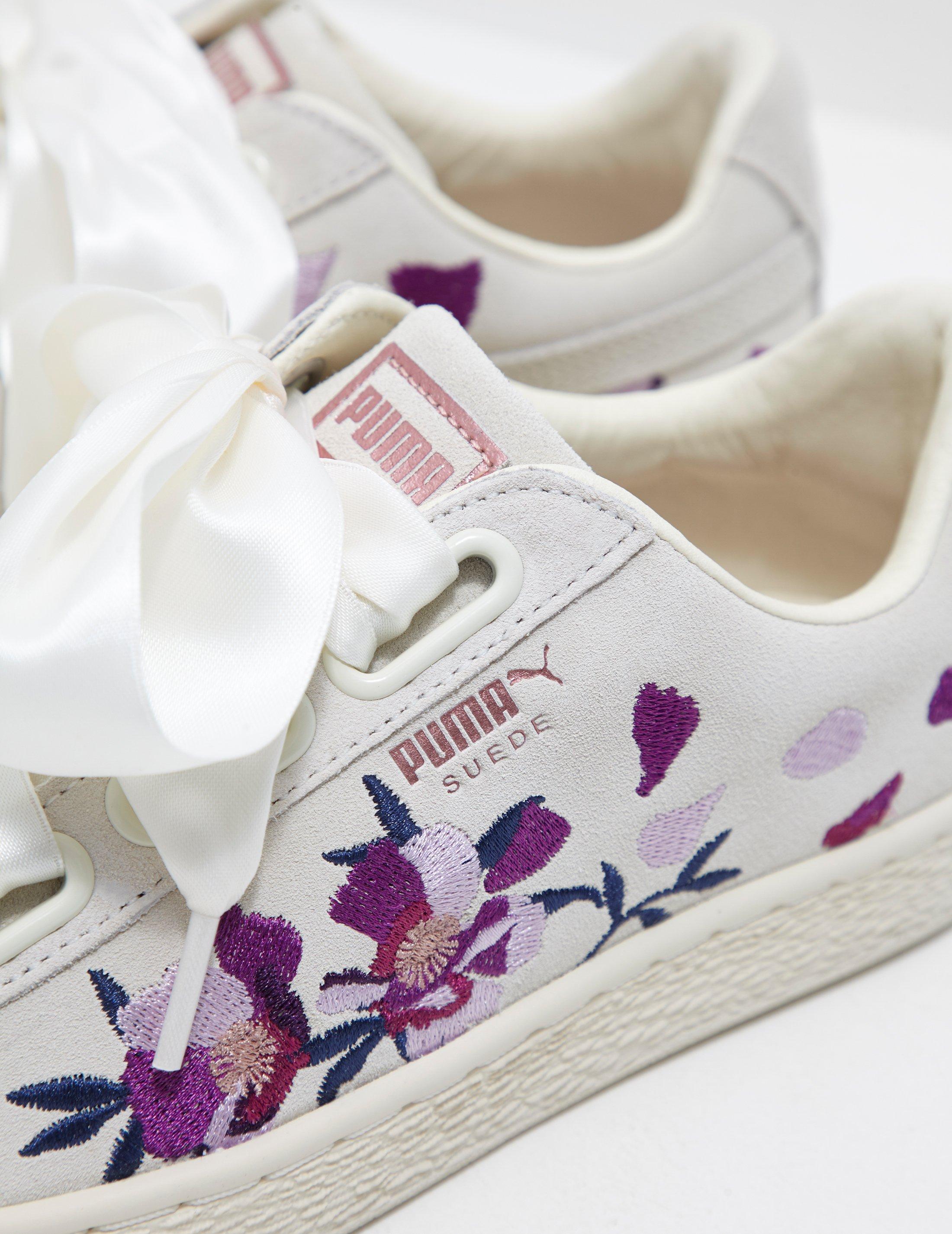 Suede Heart Flower White