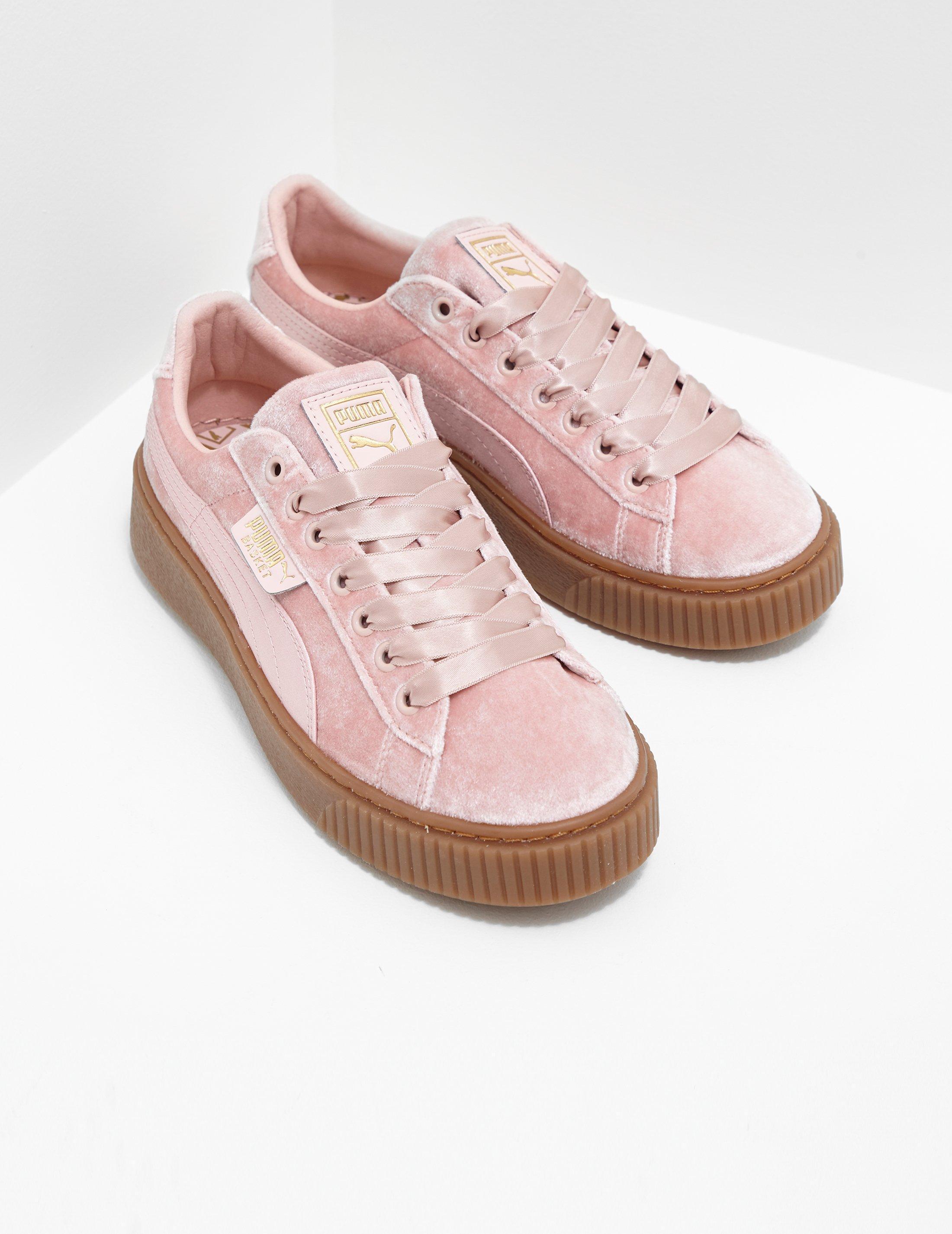 8b5d559e73 PUMA Womens Basket Platform Velvet Women's Pink