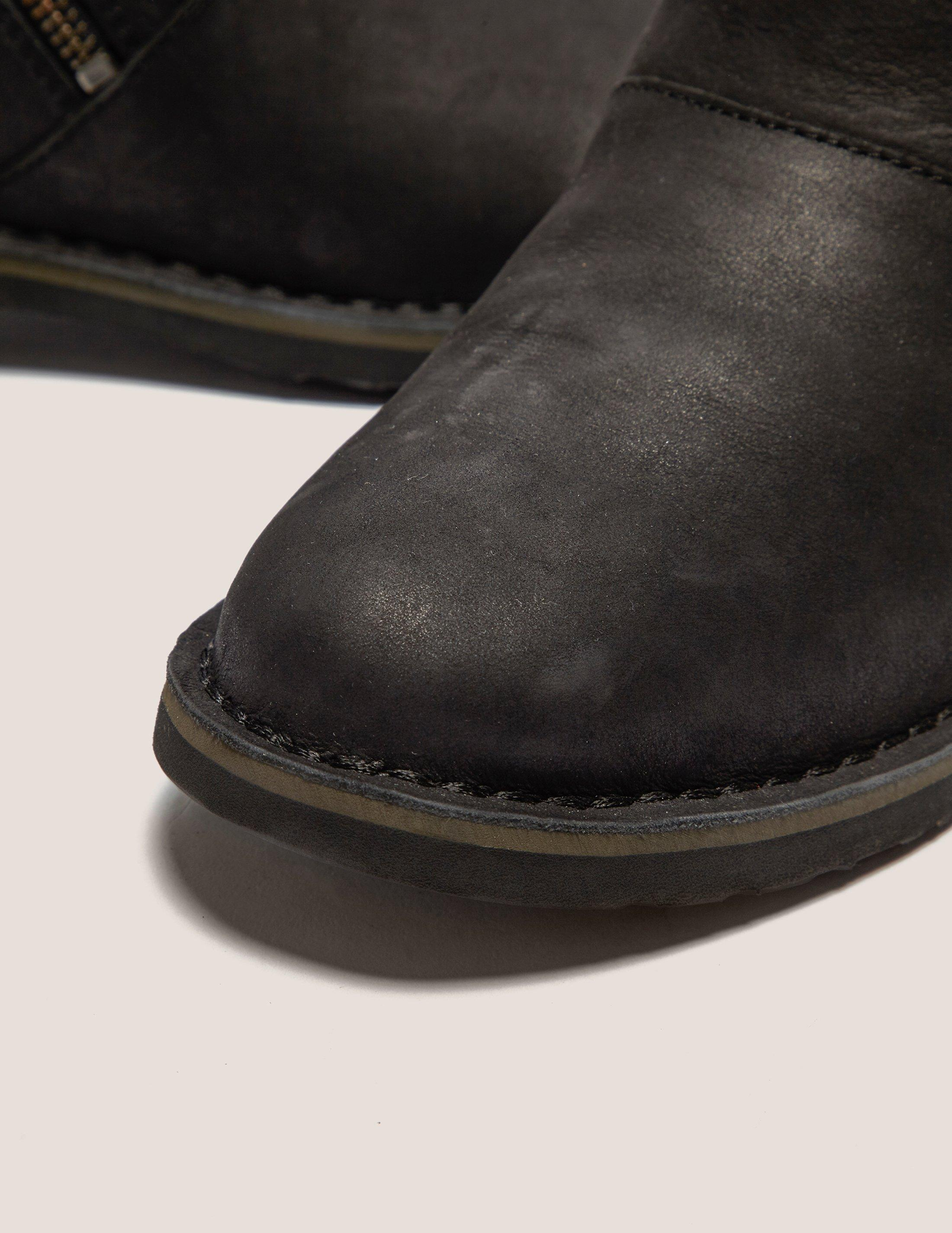 UGG Kayel Boots in Black