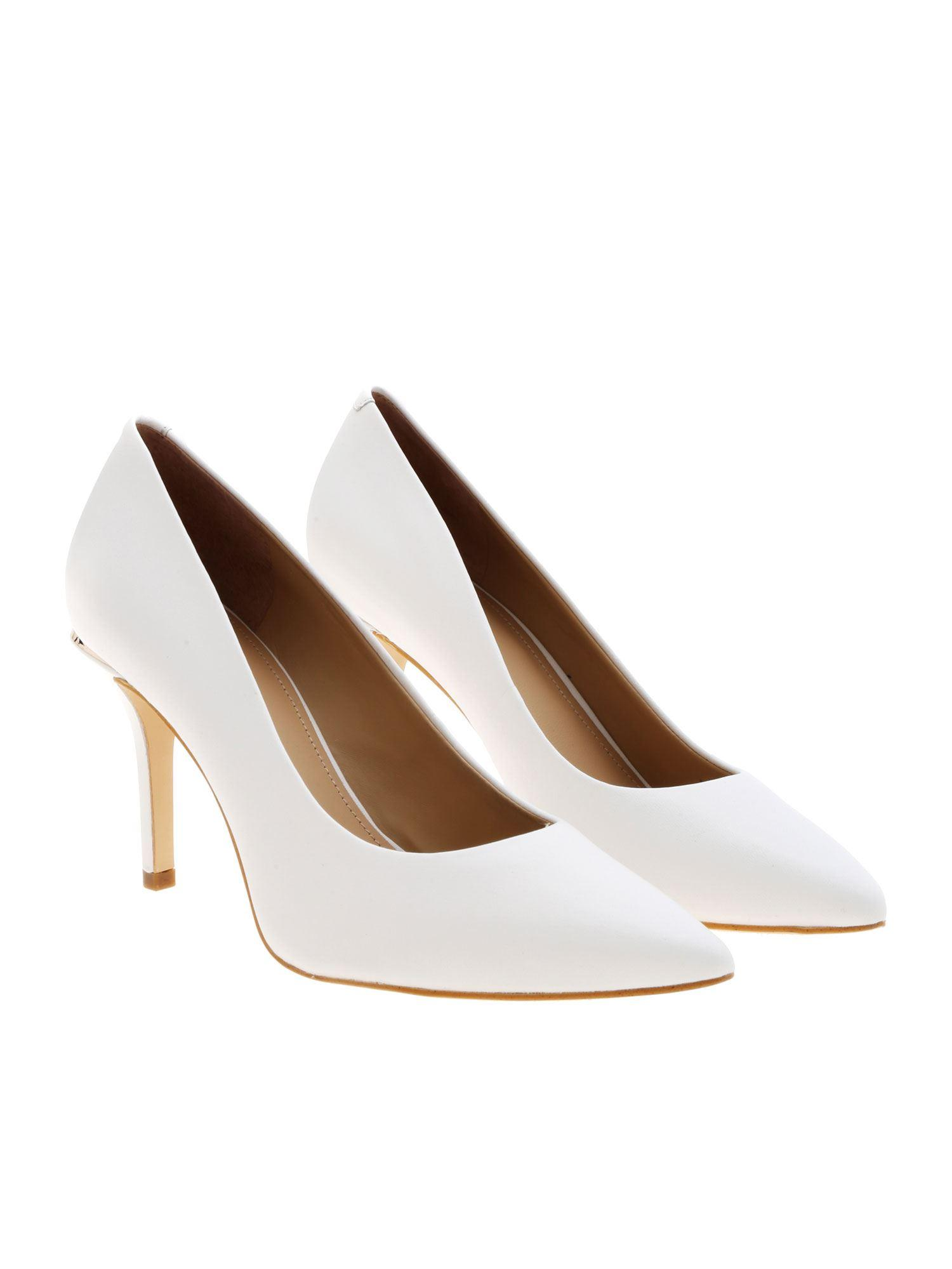 new style a48fa cc176 Women's Okley Décolleté In White Leather