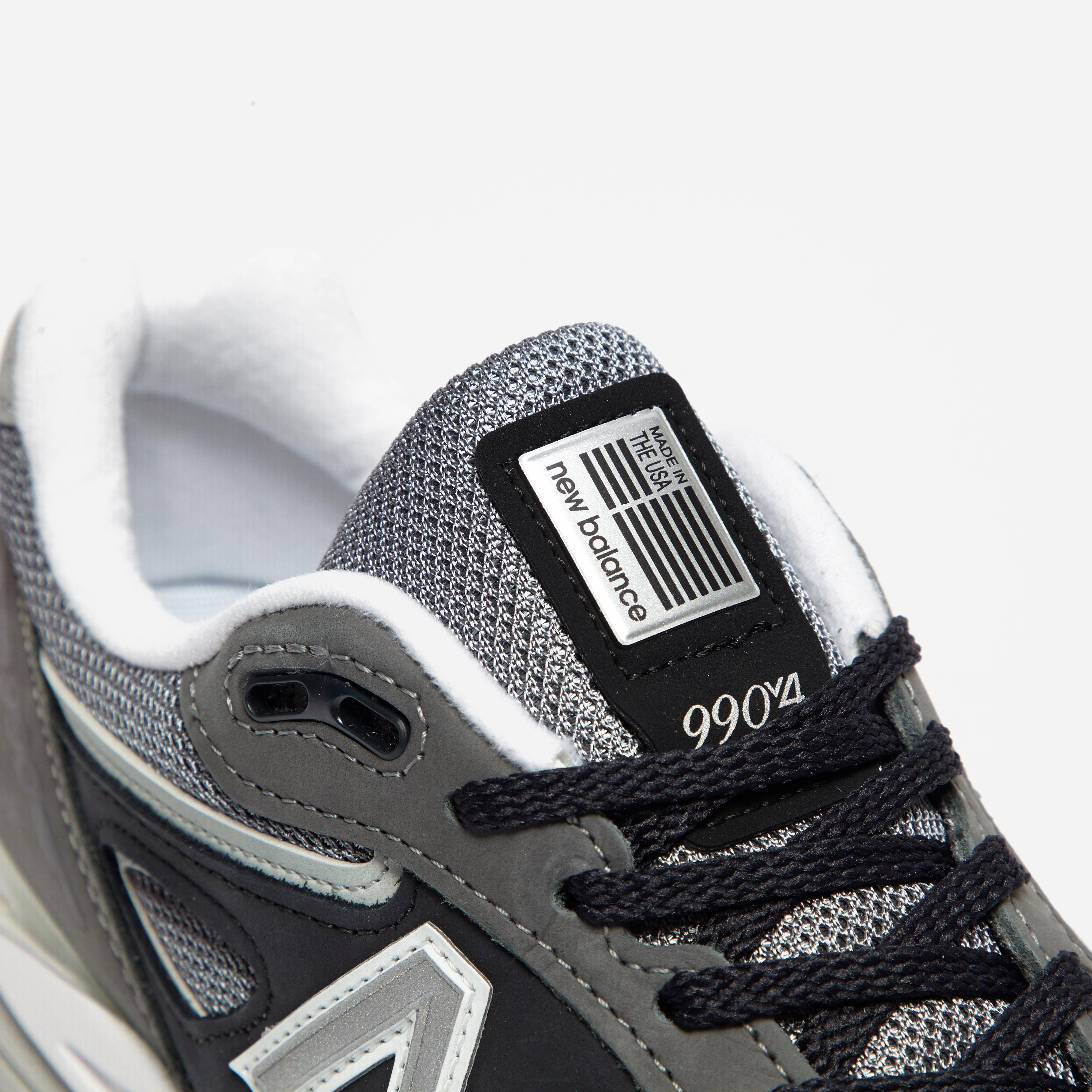 best cheap b6cf2 885e5 New Balance Leather M 990 Xg4 in Grey (Gray) for Men - Lyst