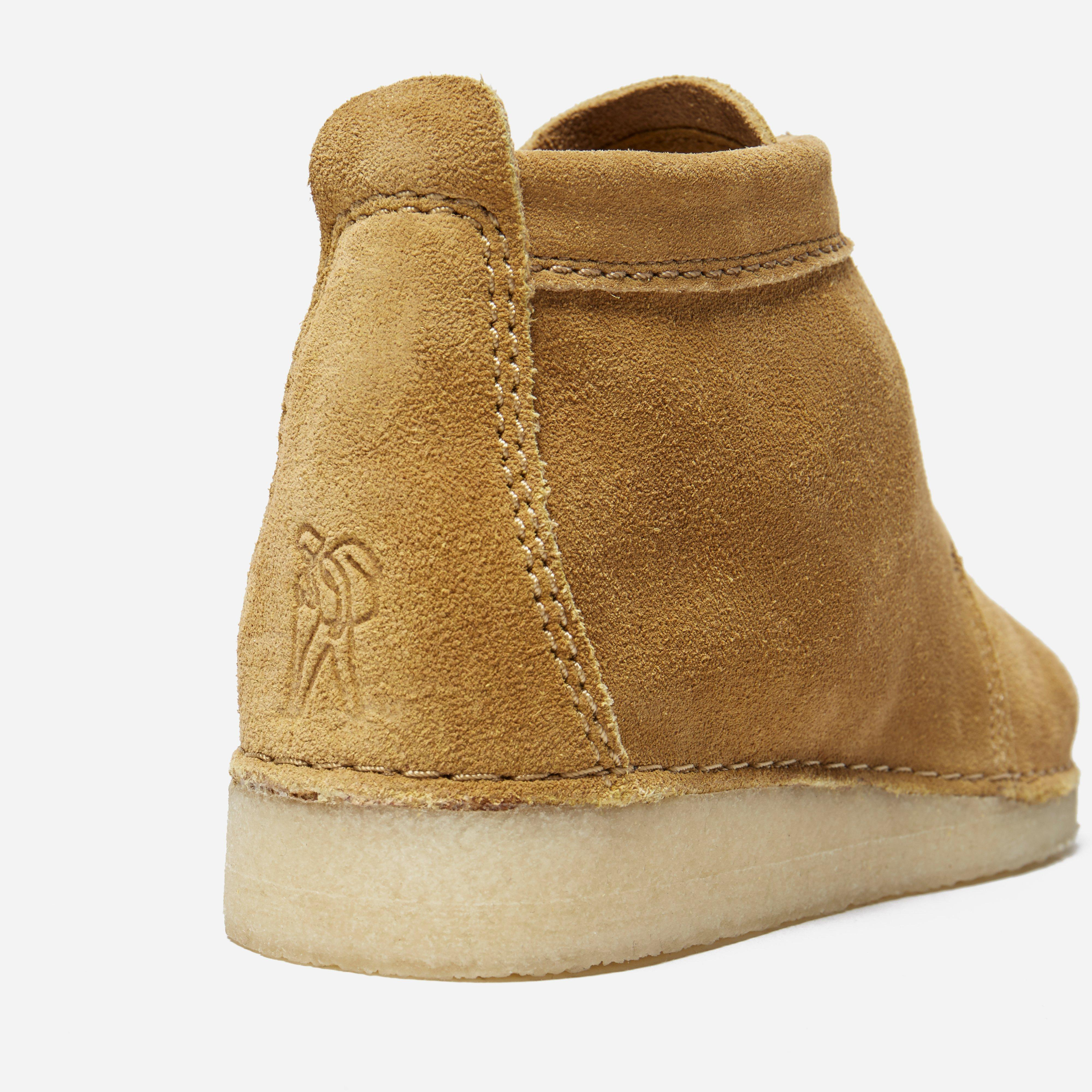 Clarks Ashton Boot in Beige (Natural