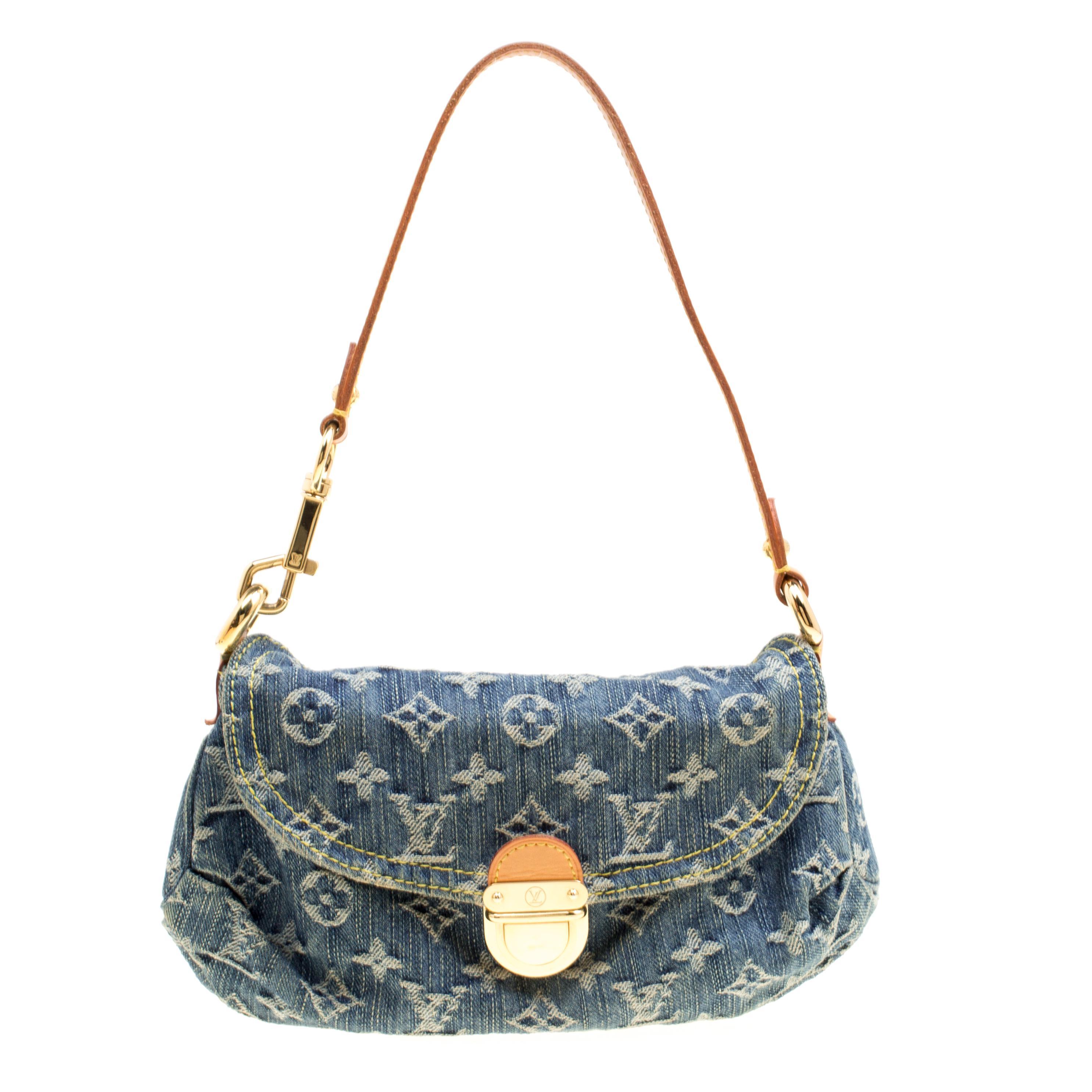 Pre Owned Pochette Accessoire Blue Denim Jeans Clutch Bags