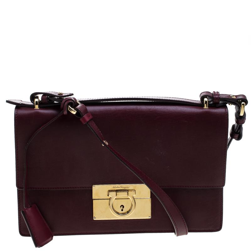Ferragamo Leather Aileen Gancio Shoulder Bag in Purple - Lyst 5e25b63345156