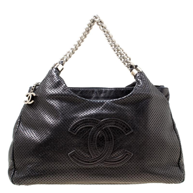 Chanel Perforated Leather Rodeo Drive Hobo in Black - Lyst 692ed0725c711