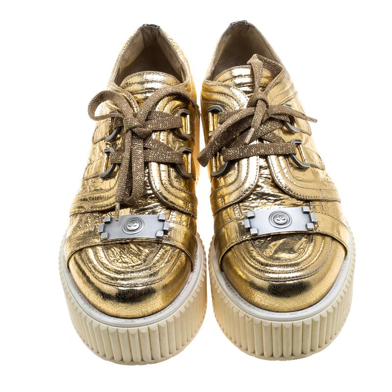 2dc109cbee09 Lyst - Chanel Metallic Distressed Foil Leather Creepers Platform ...