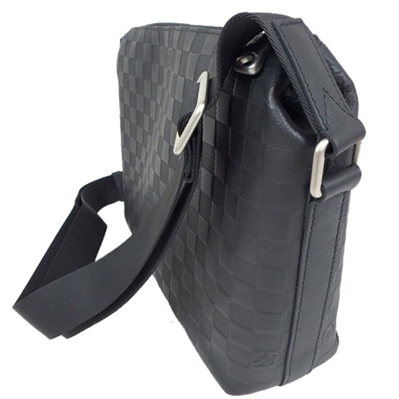 4ce6942ec8 Louis Vuitton Black Onyx Damier Infini Leather Discovery Messenger Pm Bag  for men
