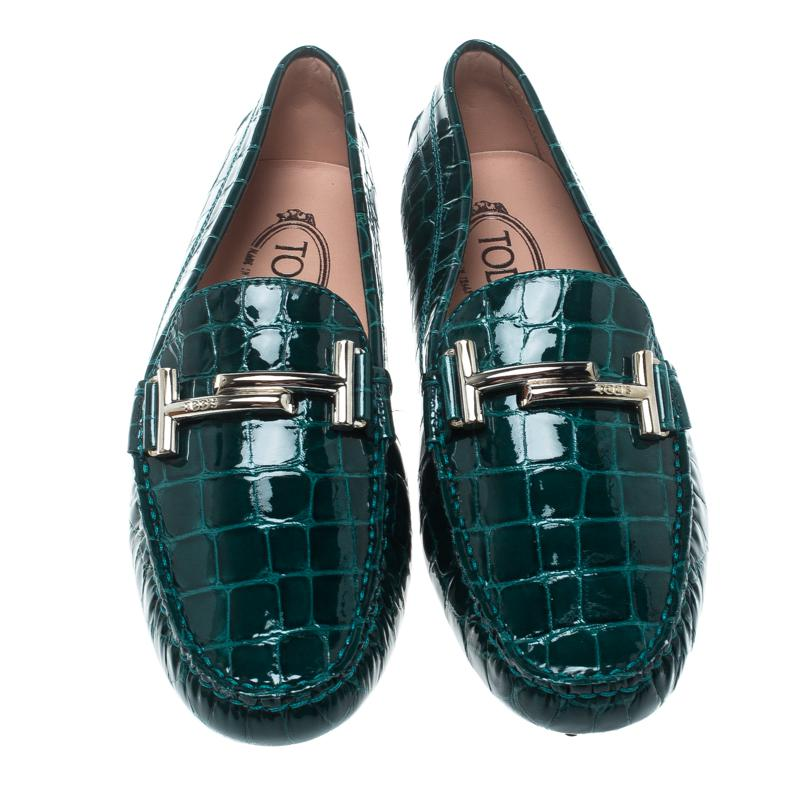 d54a38b4617 Lyst - Tod s Emerald Croc Embossed Patent Leather Gommino Double T ...