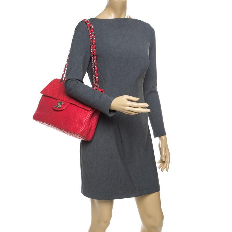 e59ba5cbb2b0 Chanel - Red Quilted Caviar Leather Maxi Classic Single Flap Bag - Lyst.  View fullscreen