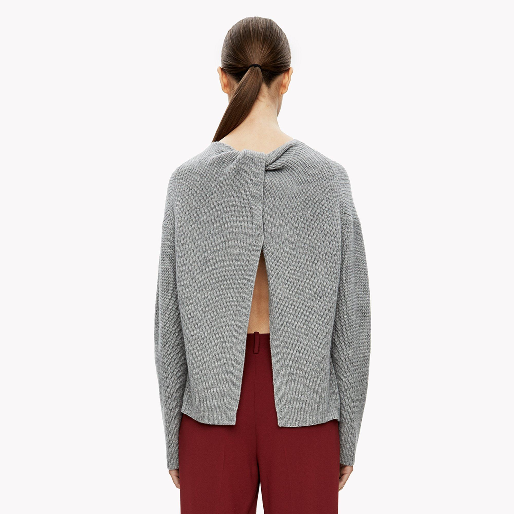 Lyst - Theory Cashmere Twist-back Sweater in Gray 2bb5c5246