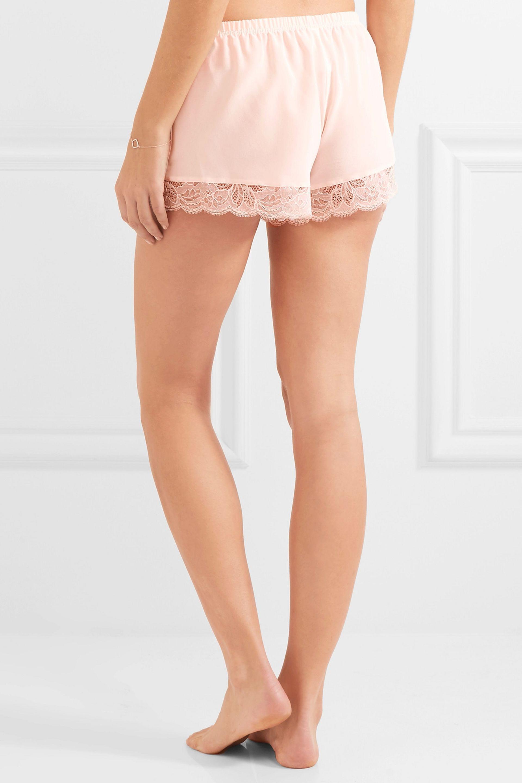Lyst - Hanro Ginevra Leavers Lace-trimmed Silk Crepe De Chine Pajama ... 58ae9e740