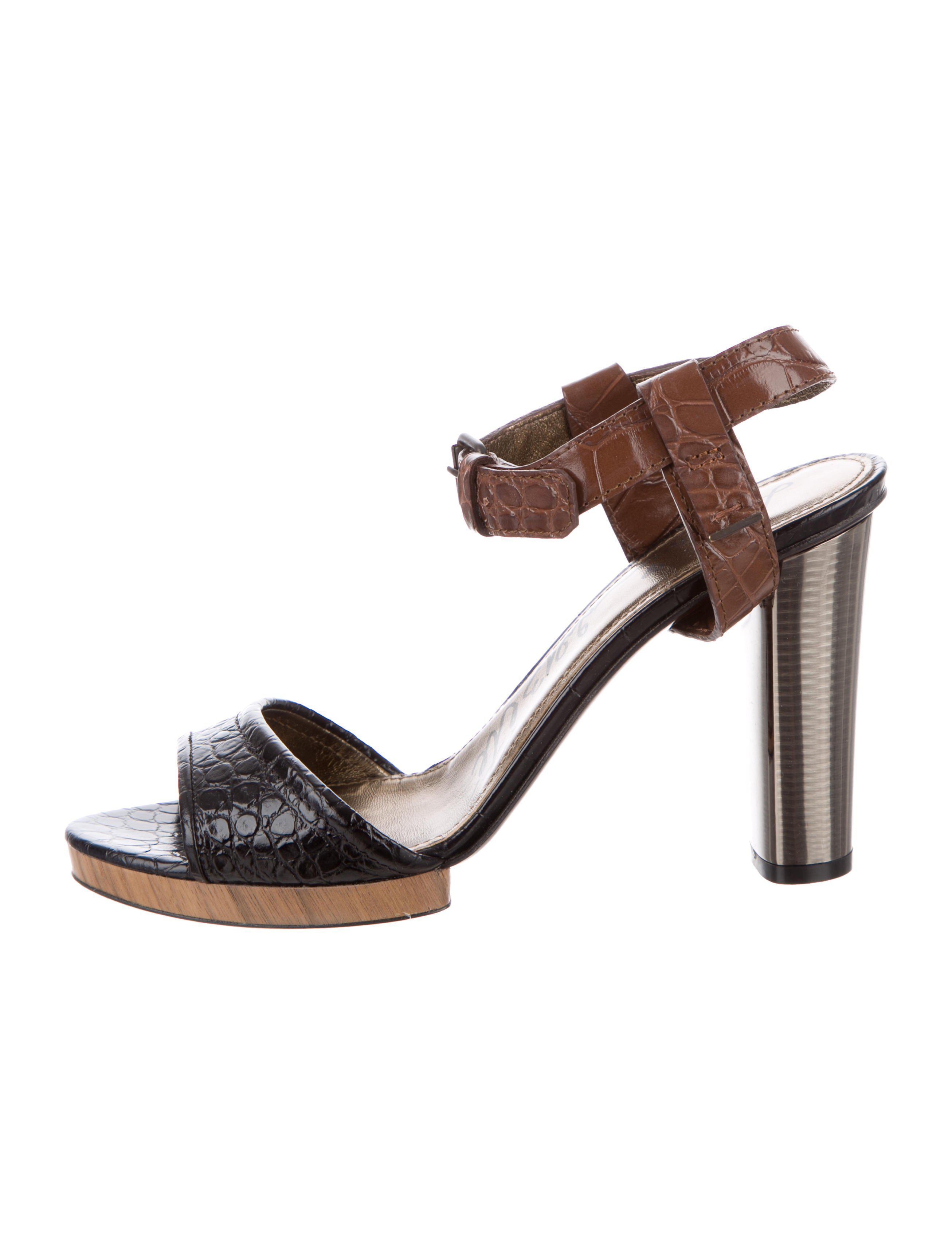 Lanvin Embossed T-Strap Sandals buy cheap huge surprise j7DxNma