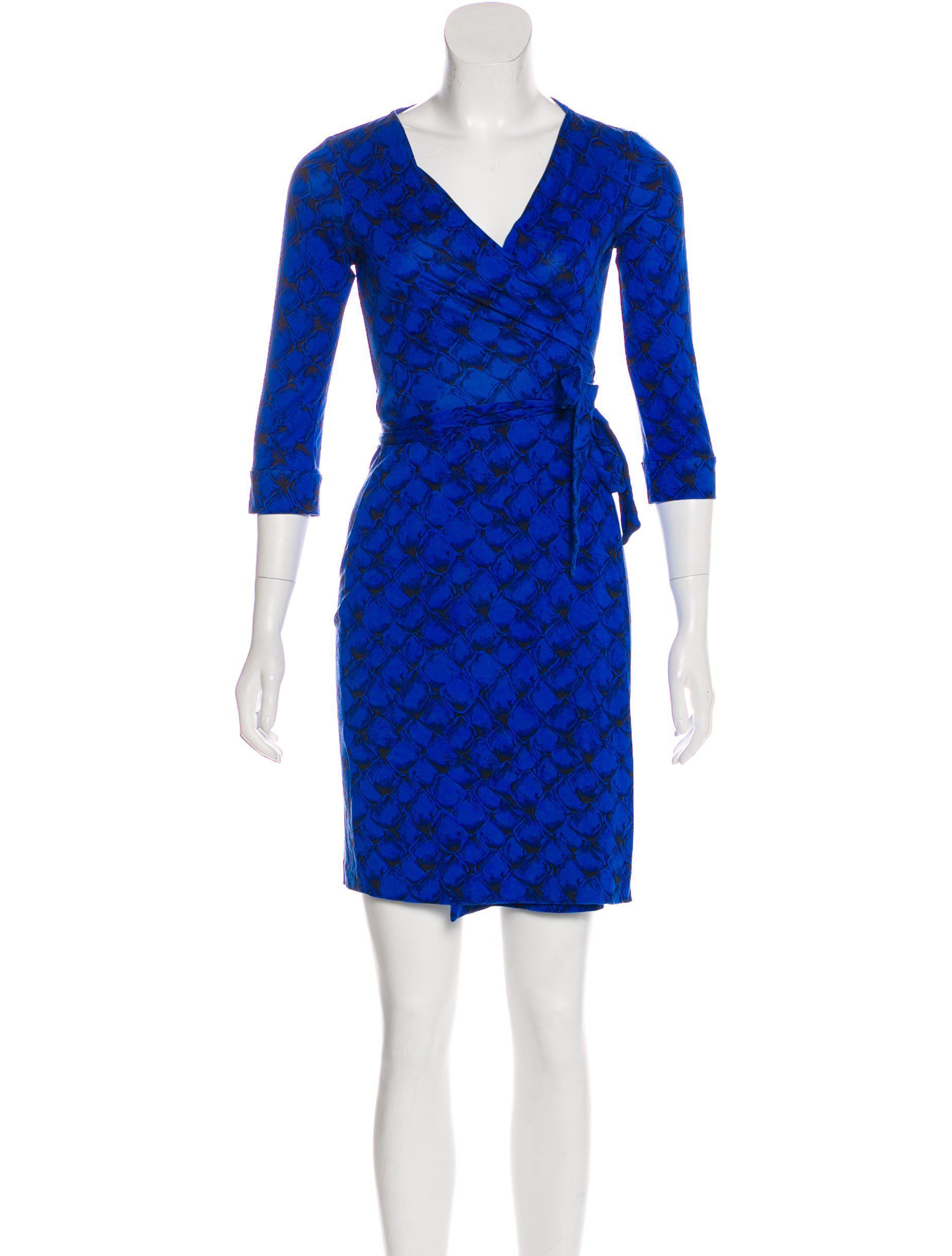 d2379e18b013 Lyst - Diane Von Furstenberg Silk New Julian Dress in Black