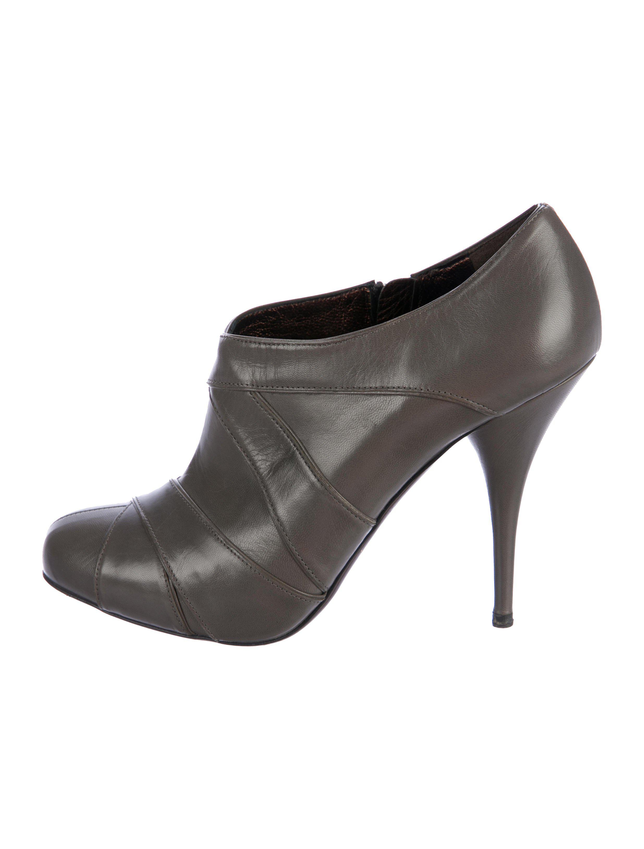 Miu Miu Leather Round-Toe Ankle Boots 2015 new cheap online discount 2015 2014 sale online fowT8
