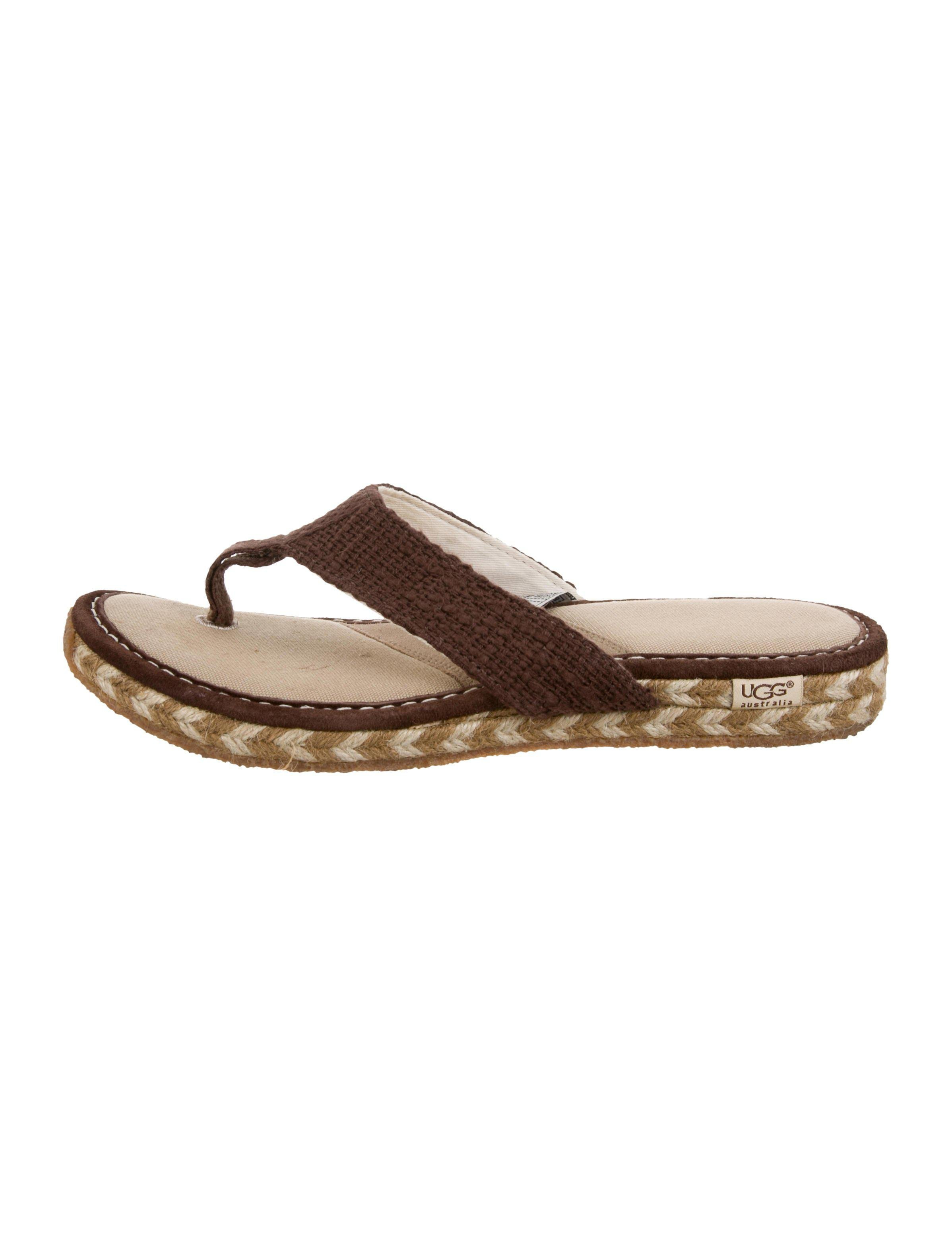 58b3963bb5a Lyst - Ugg Canvas Thong Sandals in Brown