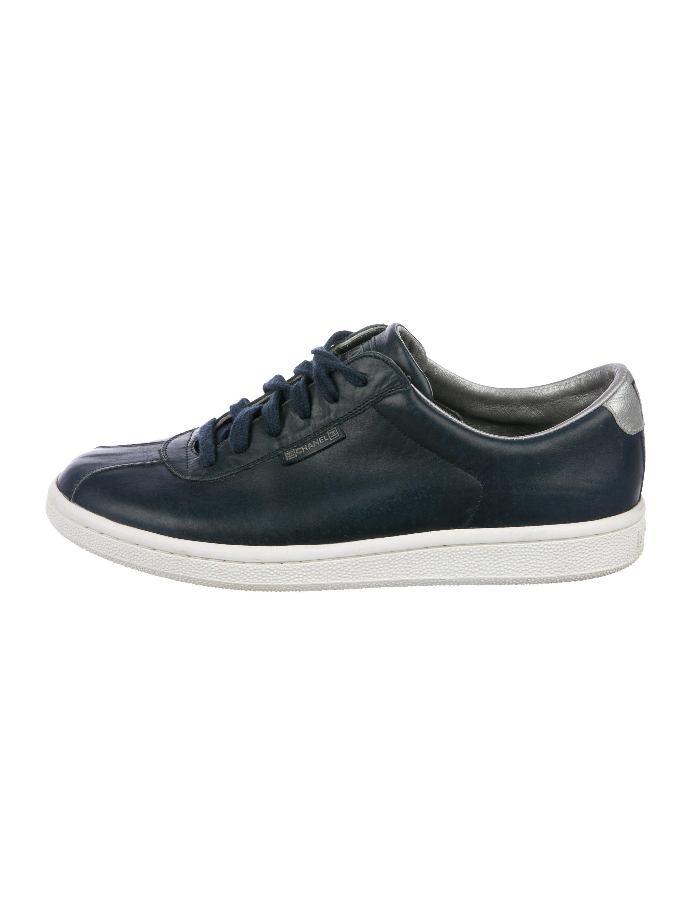 a1ef4fca0678 Lyst - Chanel Leather Low-top Sneakers Navy in Blue