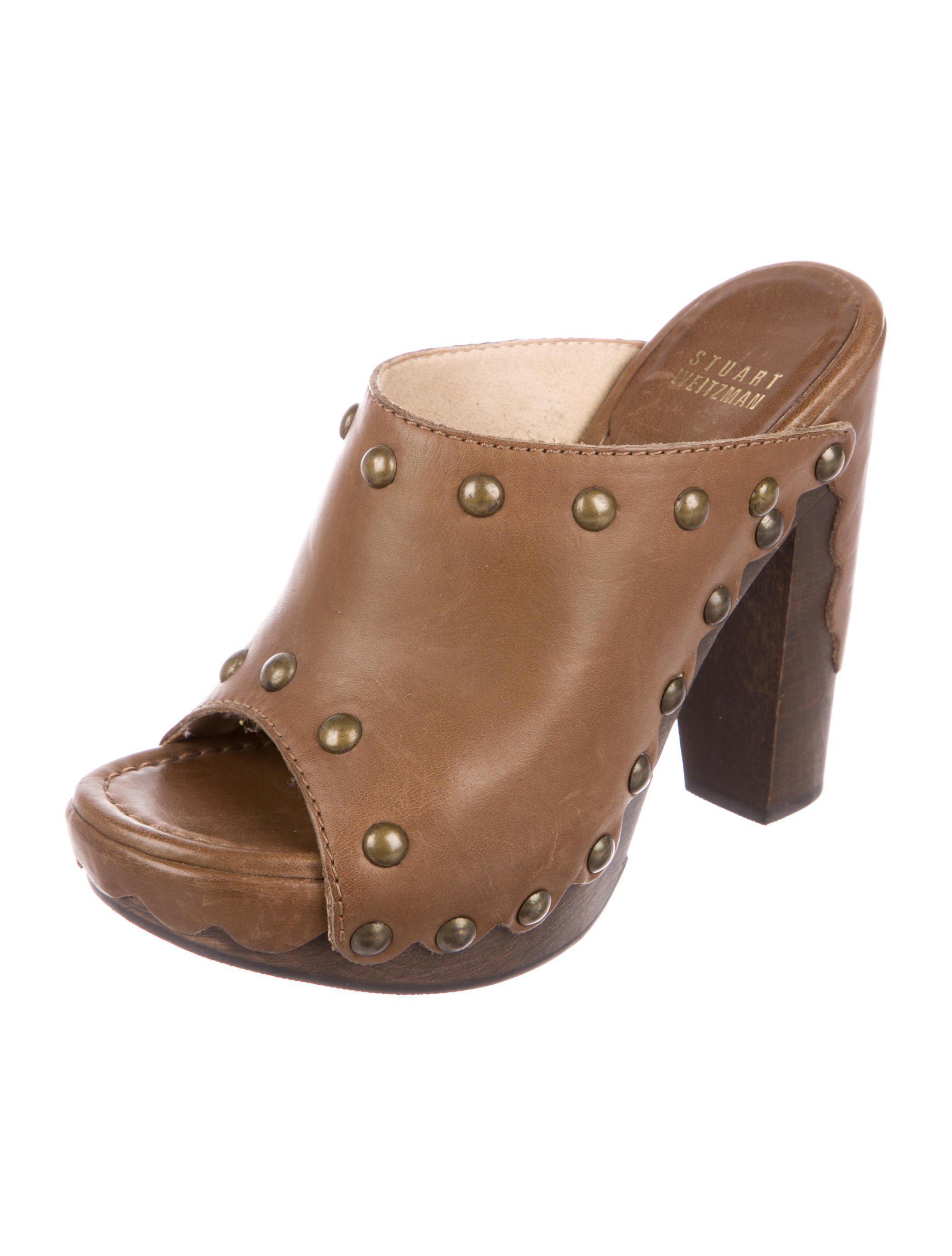 des sandales en Marron cuir cloutés catalyseur stuart weitzman dans Marron en  afe074