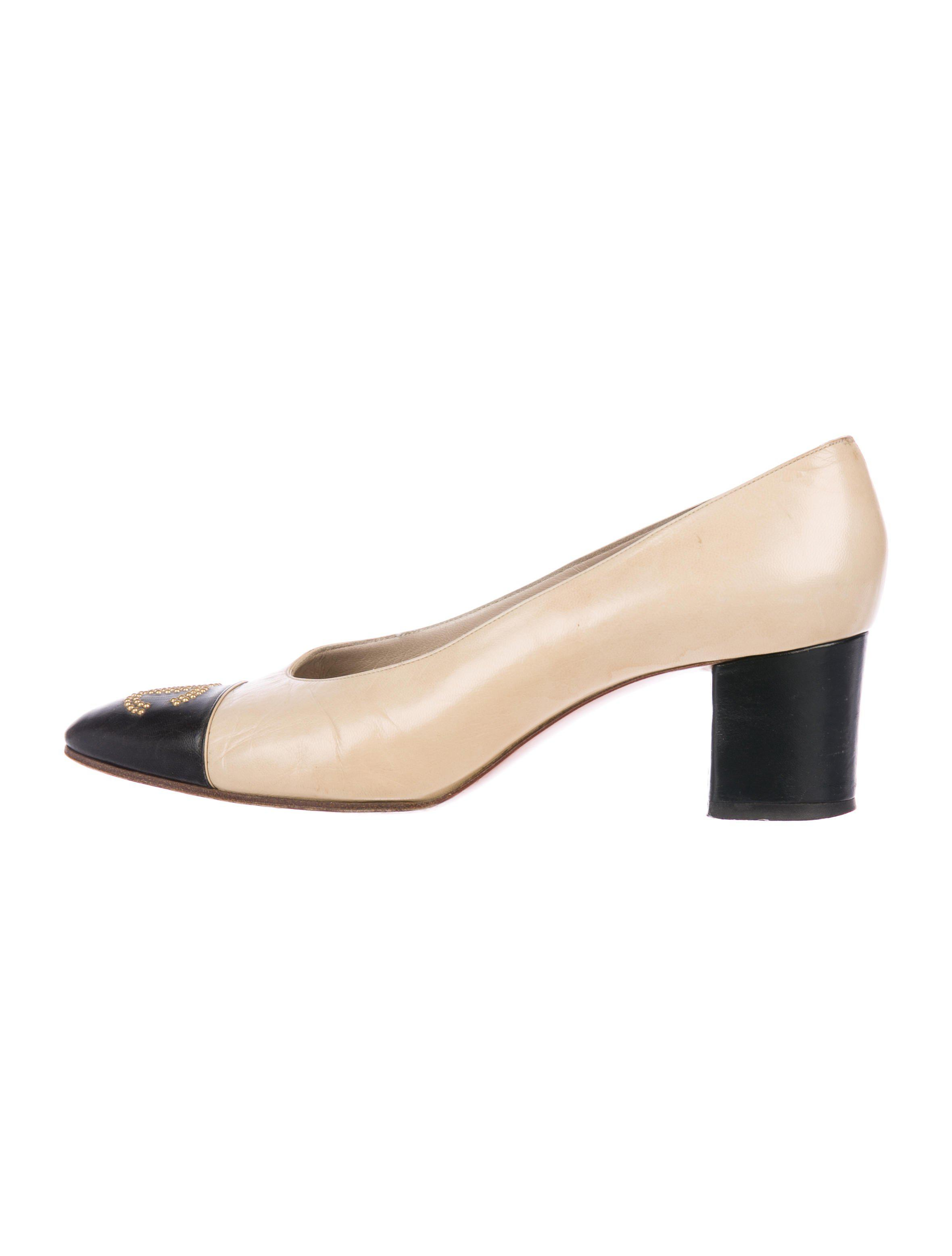 c8130f723b2c Lyst - Chanel Cc Cap-toe Leather Pumps Tan in Natural