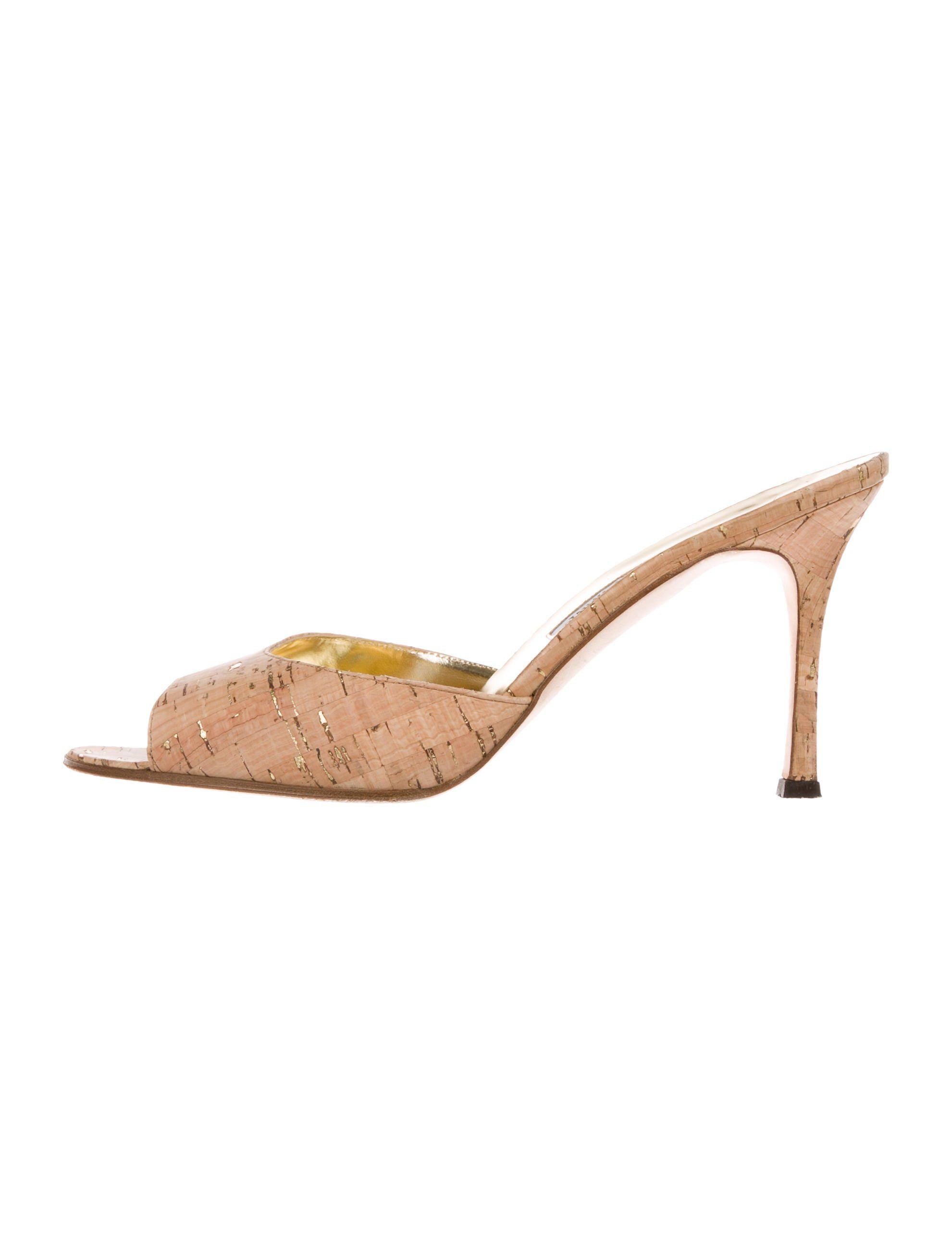 562403d2544 Lyst - Manolo Blahnik Astuta Cork Sandals Tan in Metallic