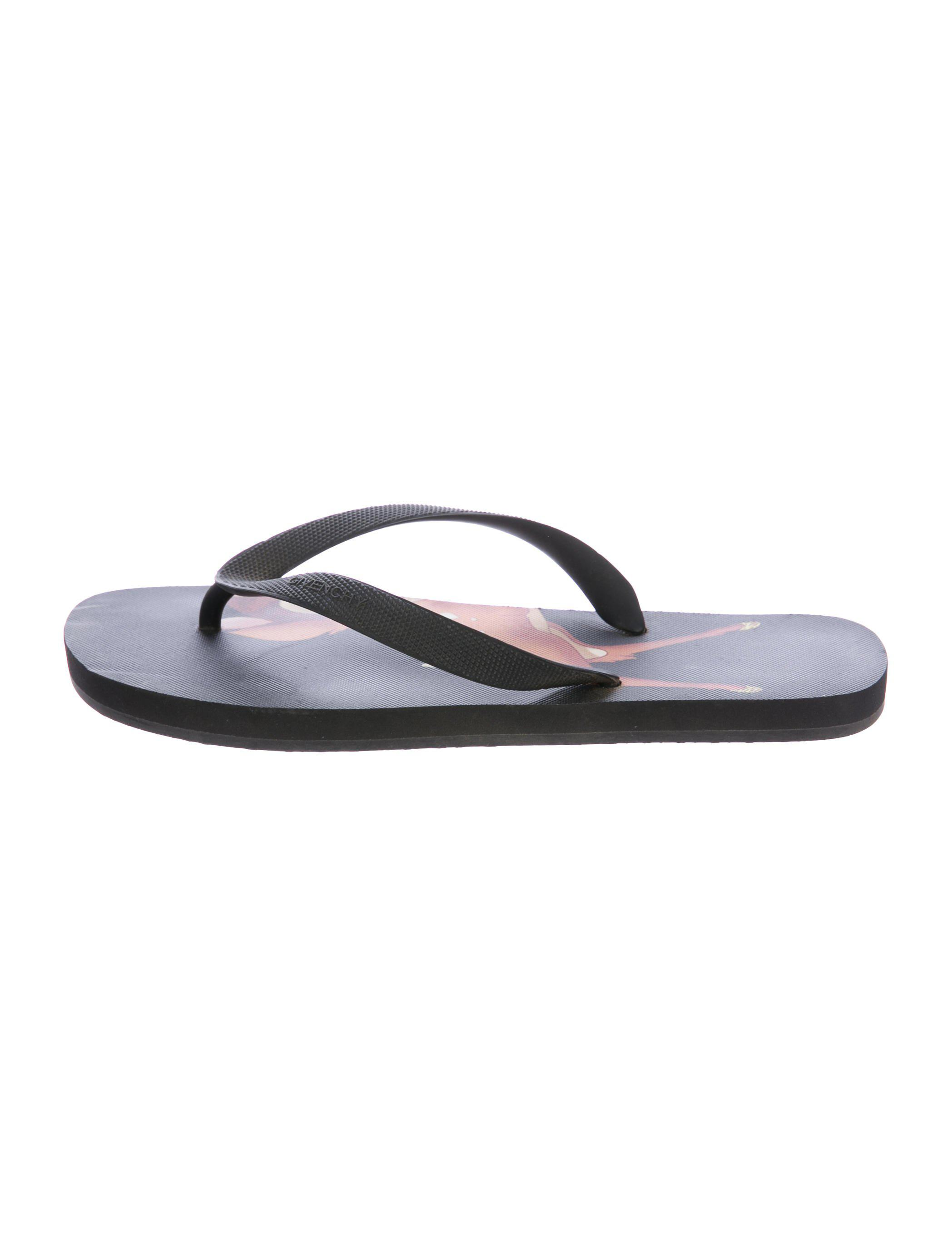 091f109e79459 Lyst - Givenchy Bambi Thong Sandals in Black