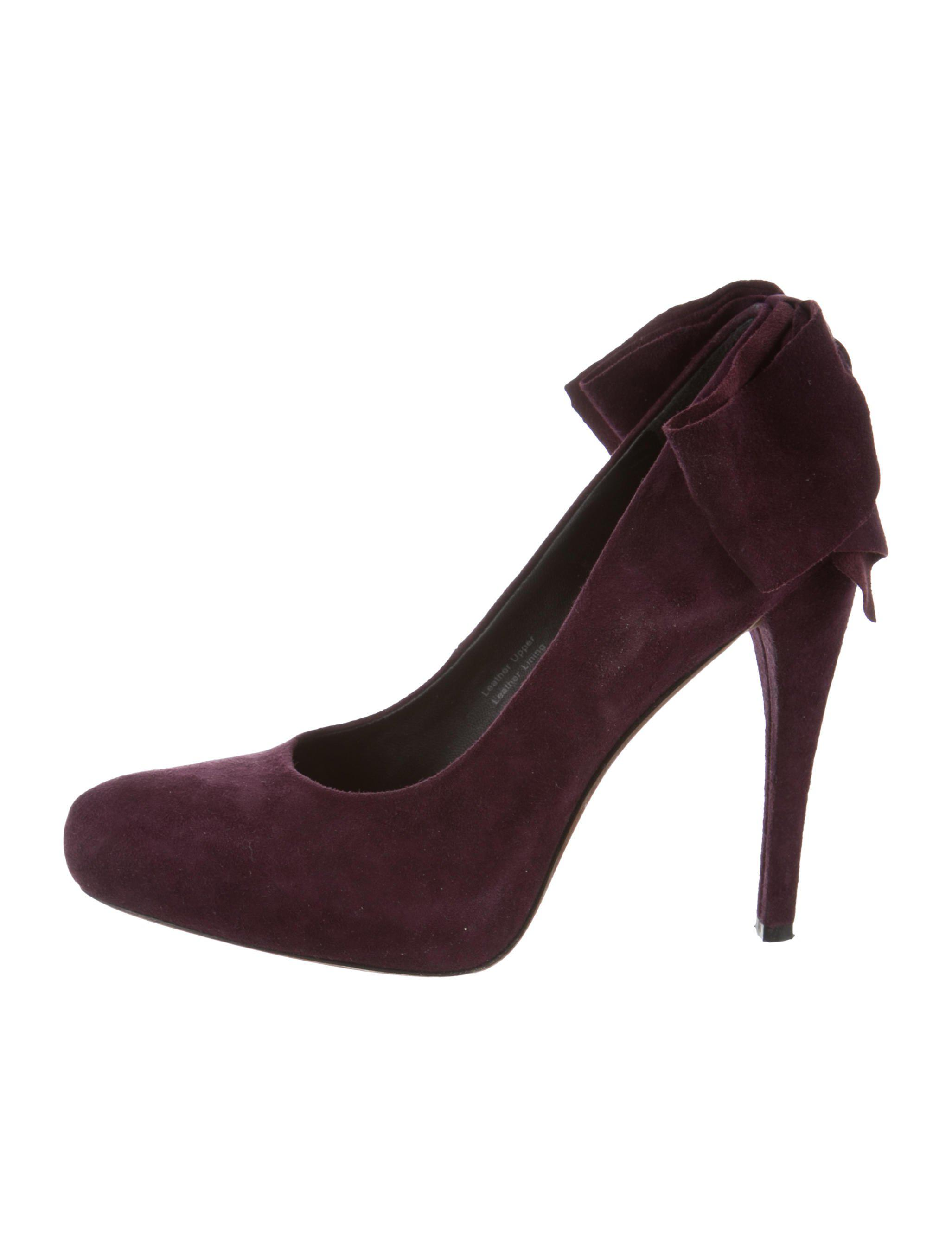 clearance low shipping get authentic cheap online Vera Wang Leather Bow Pumps reliable pick a best sale online qhLplOyRwt