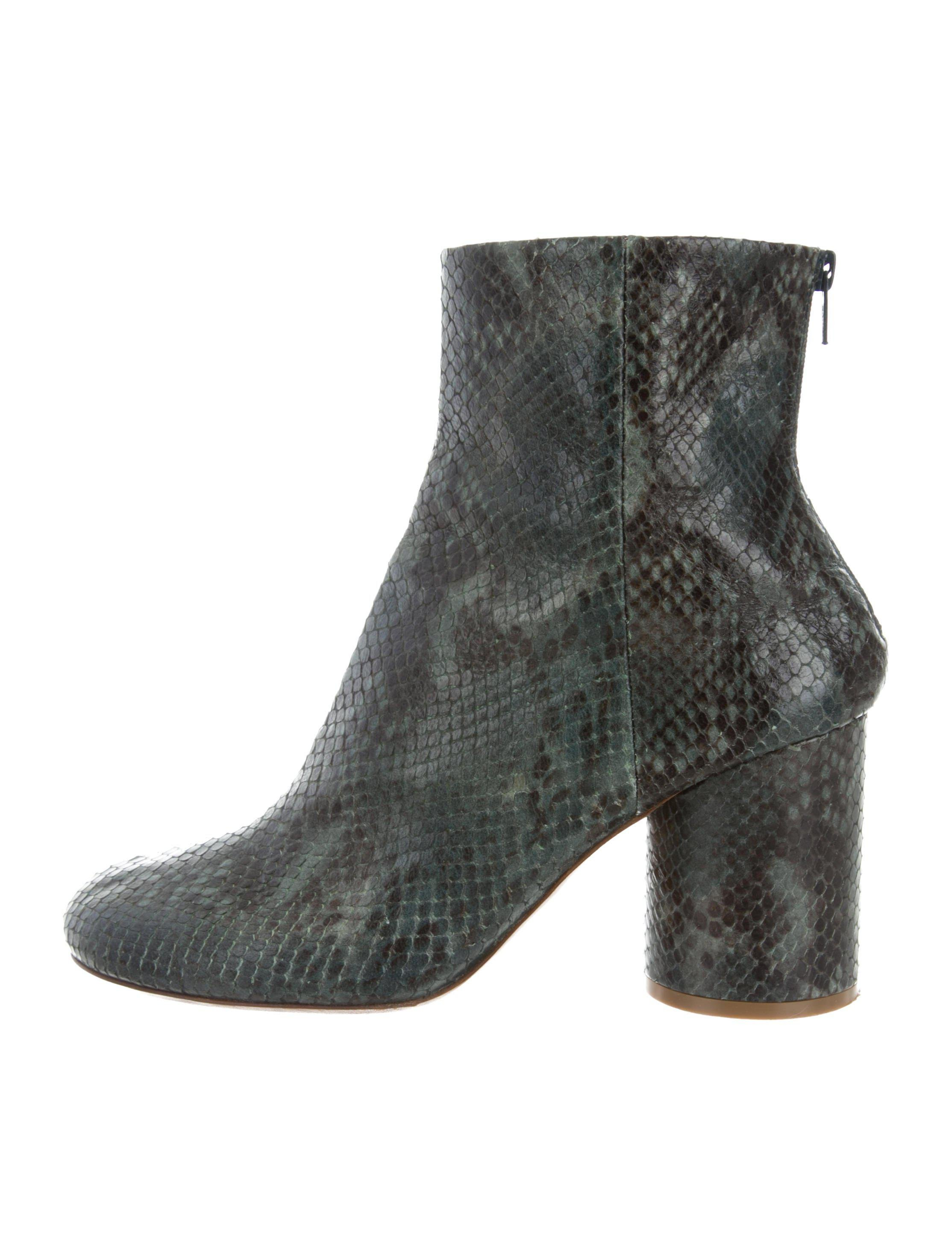 Maison Martin Margiela Embossed Round-Toe Ankle Boots cheap shop cheap big sale free shipping with mastercard how much 2015 cheap online BMCftR