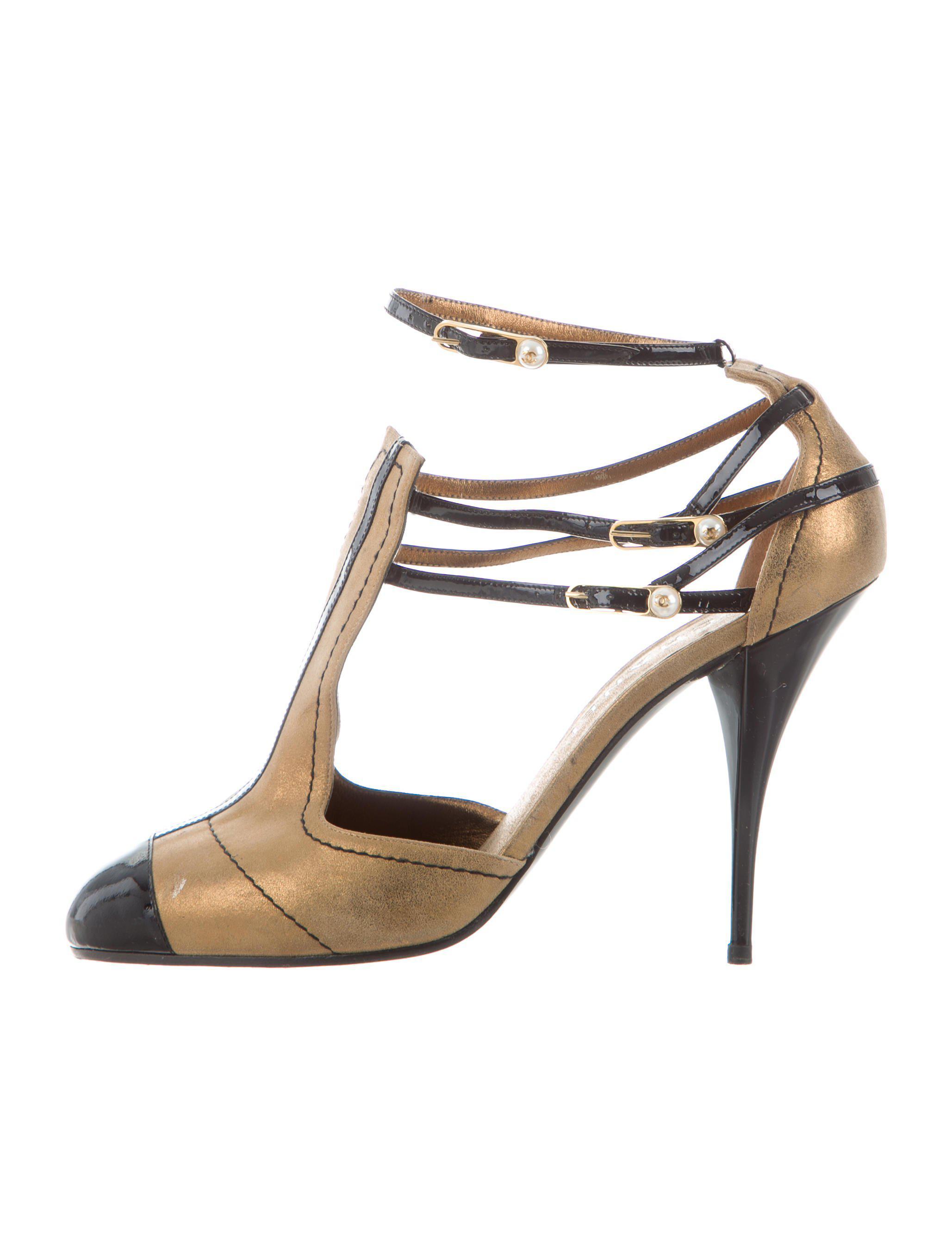 1fc841abf8f ... Lyst - Chanel Cap-toe Pumps Gold in Metallic super cute d93a1 44dcc ...