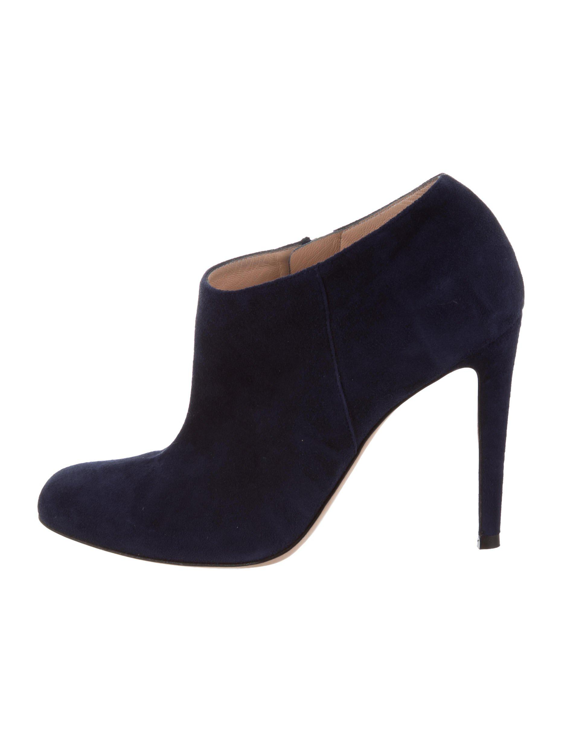Gianvito Rossi Suede Round-Toe Booties clearance explore outlet with paypal nL0CZr27