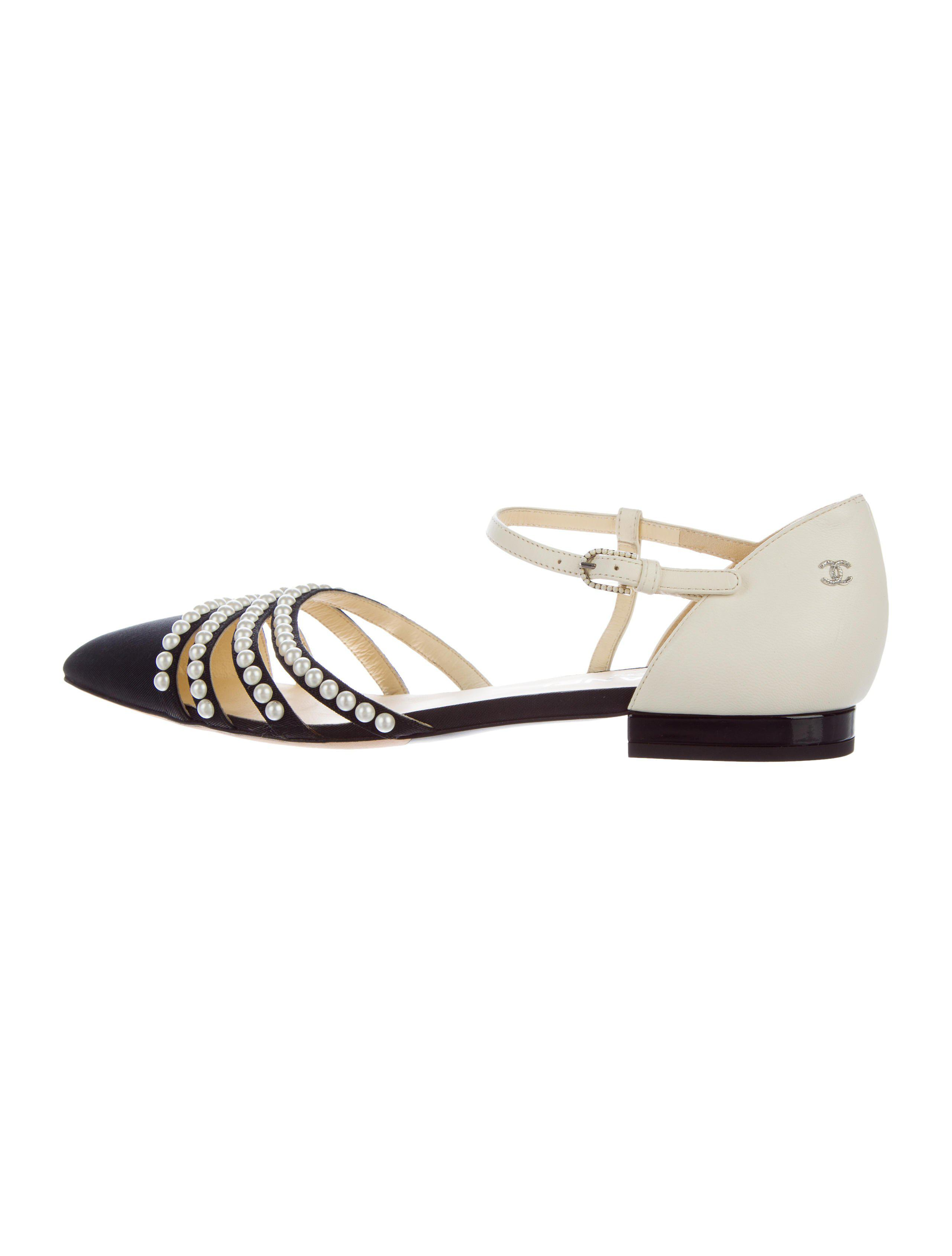 d0feb5cac1bdfa ... Sandals Silver in Metallic arrives 5e89b 2f2a4  Lyst - Chanel Pearl-embellished  Pointed-toe Flats Black in Metallic lowest discount 17cb9 ...