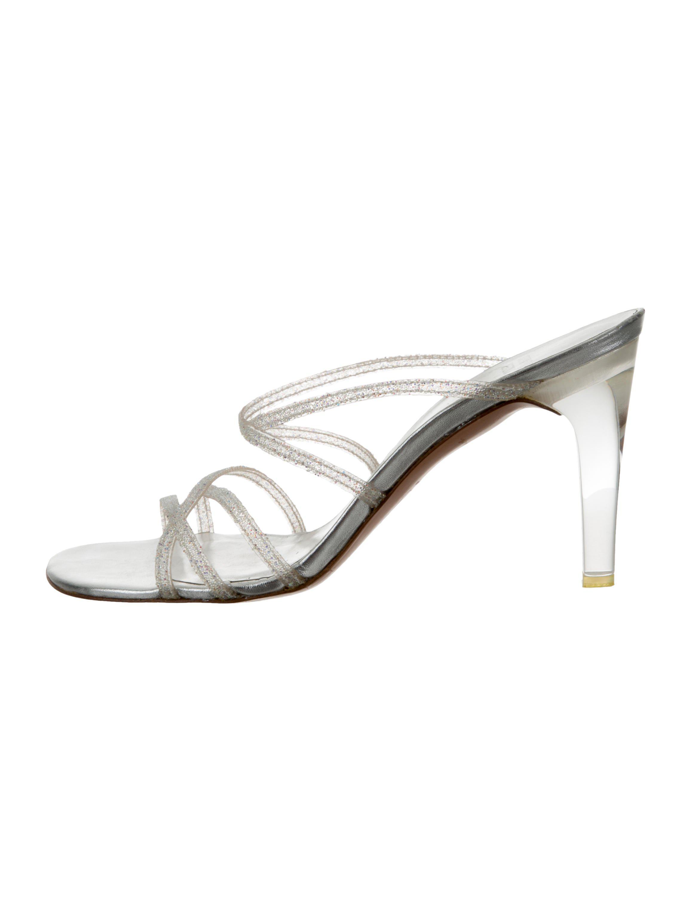 a2871f0bed0d stuart-weitzman-Metallic-Iridescent-Slide-Sandals-Silver.jpeg