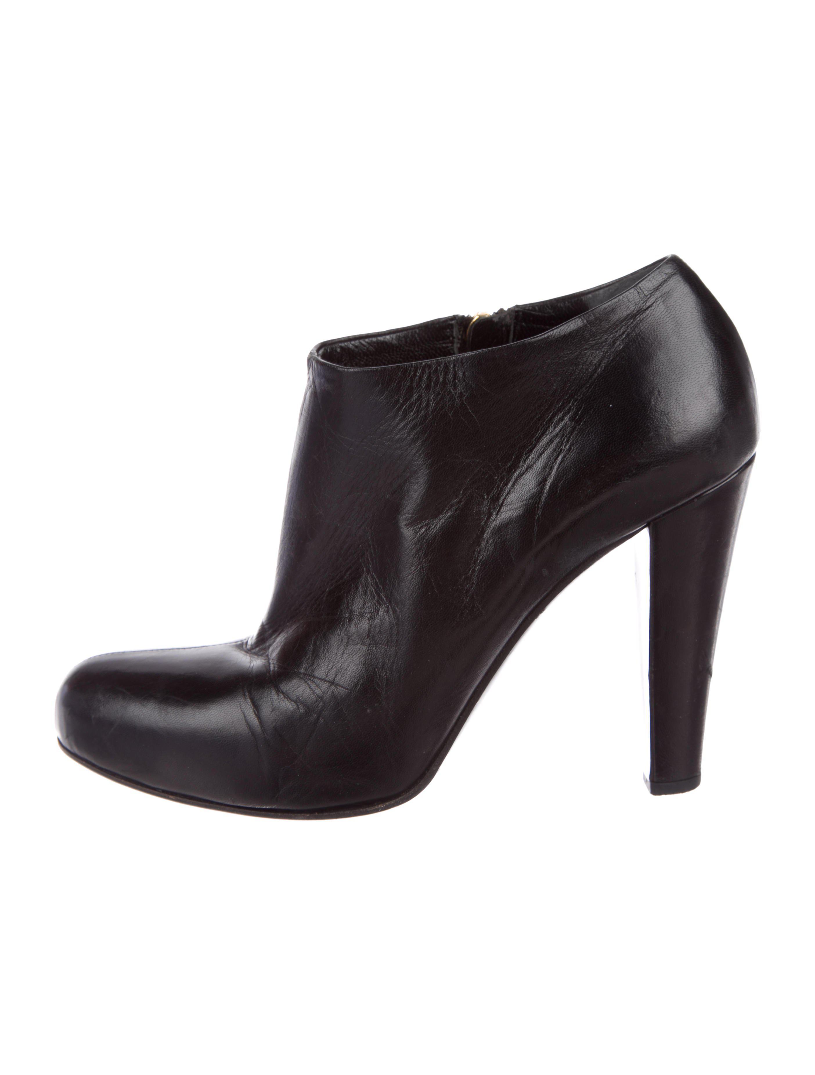 Miu Miu Round-Toe Leather Booties cheap discount sale pRnhS