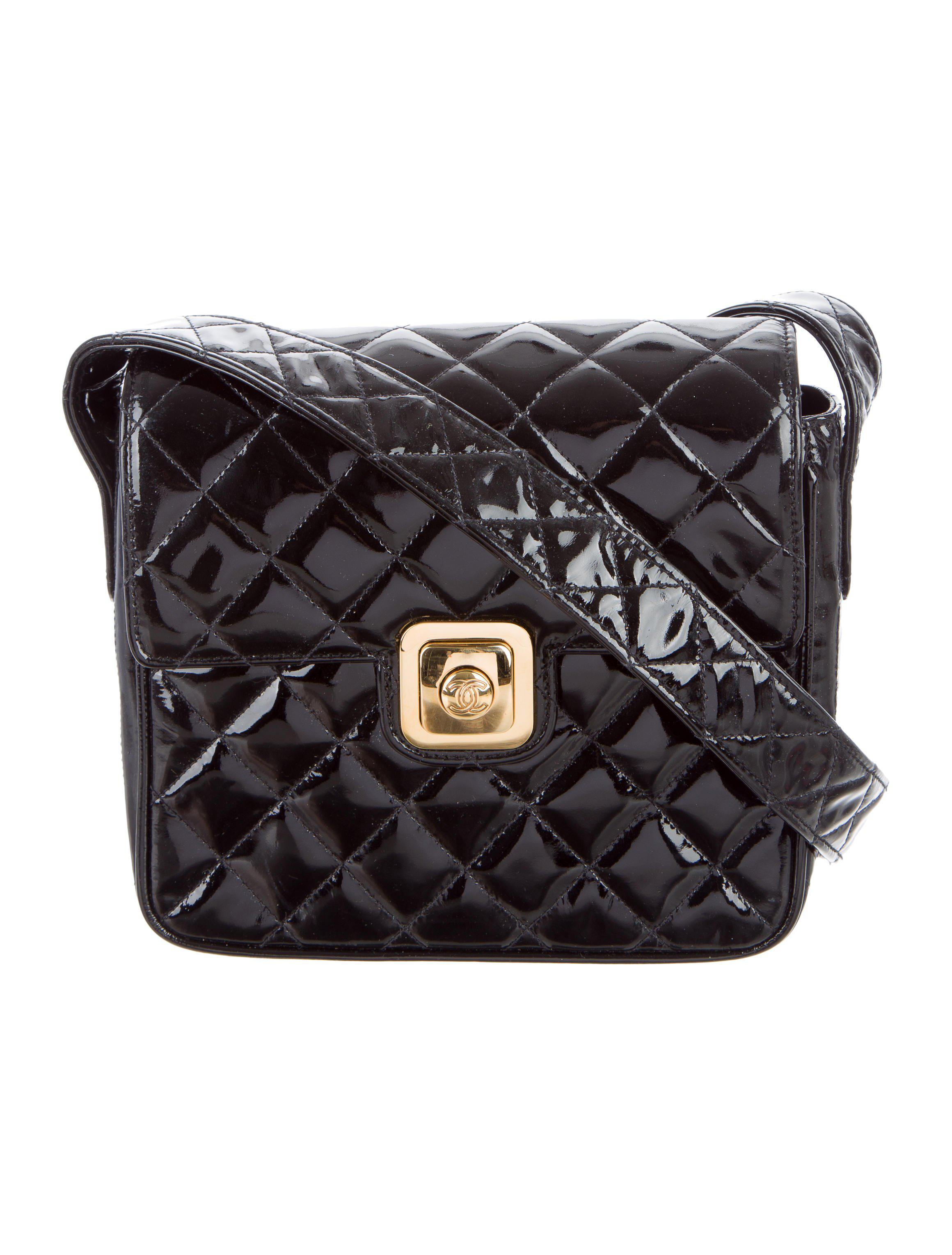1e2125fa5fb3 Lyst - Chanel Vintage Patent Quilted Shoulder Bag Black in Metallic