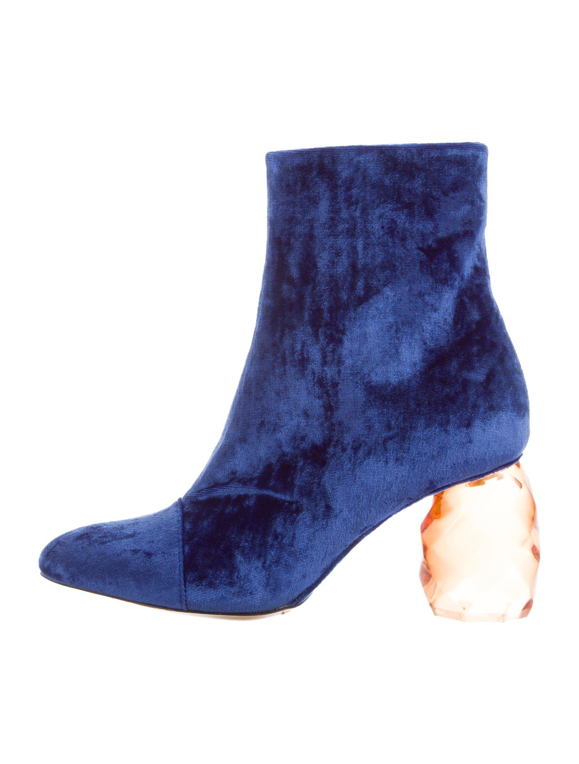 buy cheap authentic clearance prices Dries Van Noten Velvet Pointed-Toe Ankle Boots w/ Tags prices cheap online outlet Inexpensive discount pay with paypal AvJ8lmL