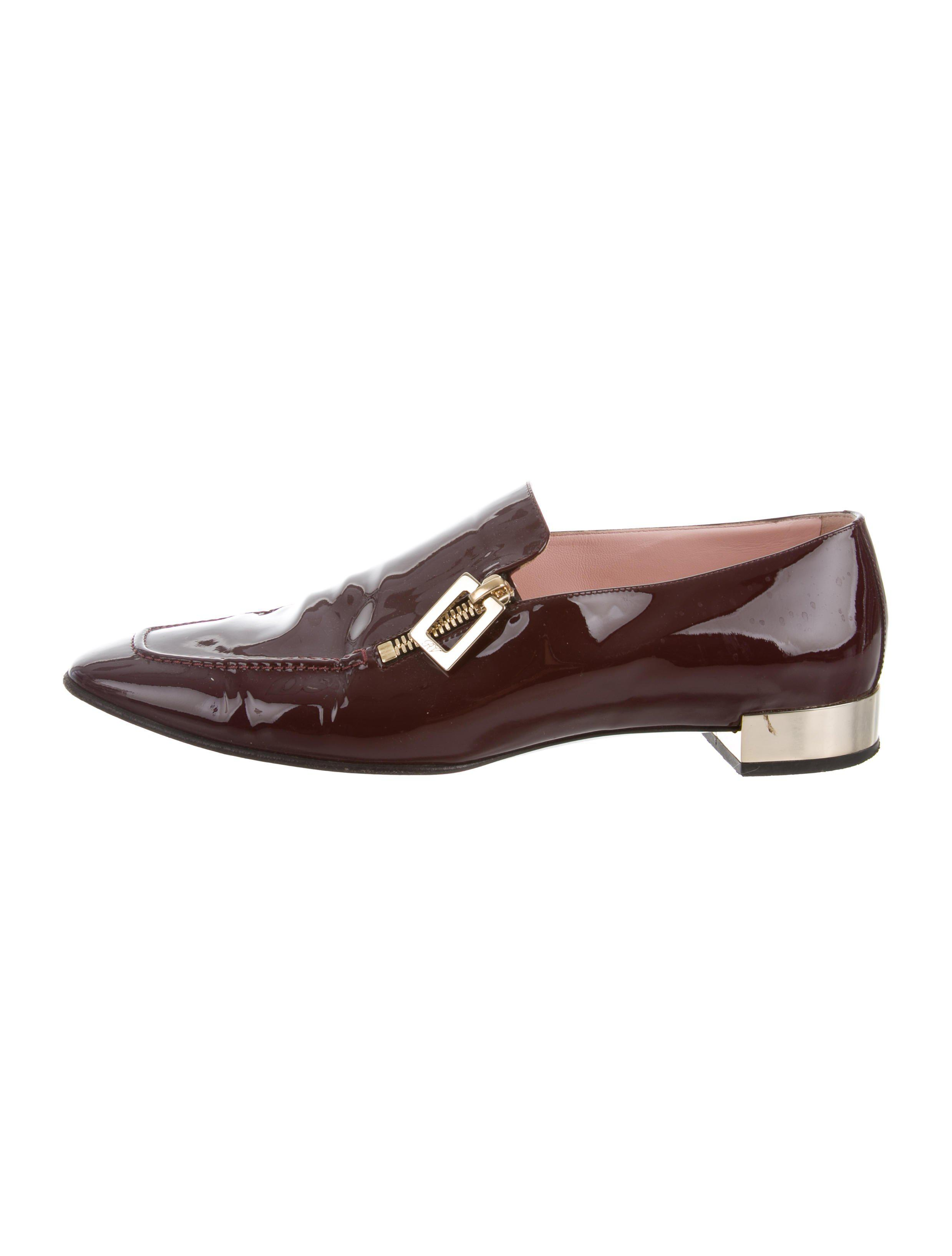 4ecd3902185 Lyst - Roger Vivier Patent Leather Round-toe Loafers Gold in Metallic