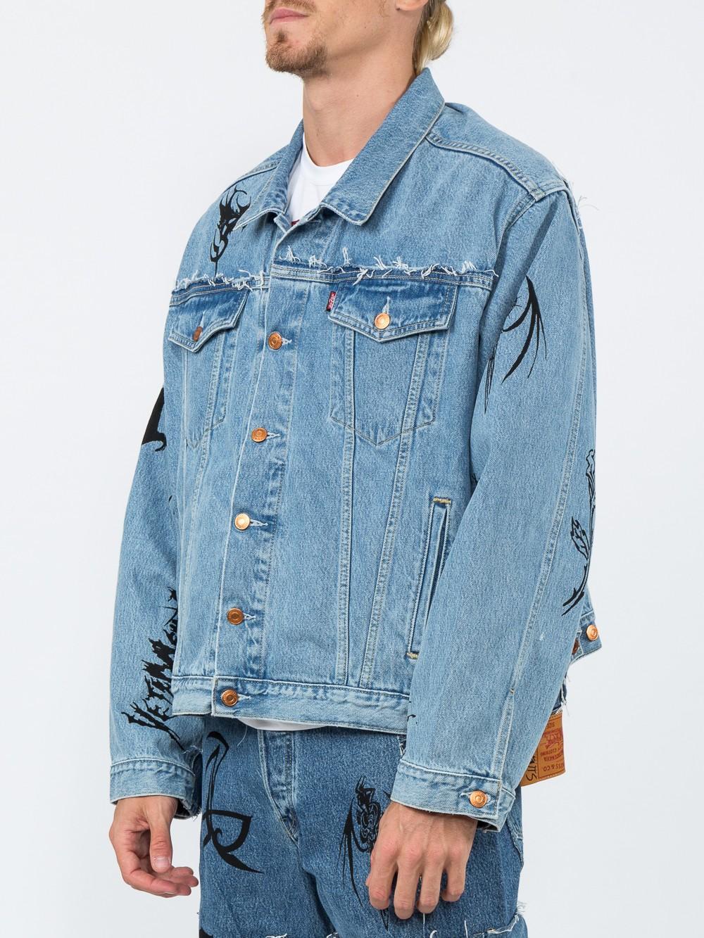 Vetements Cotton Sticker-print Denim Oversized Jacket in Blue for Men