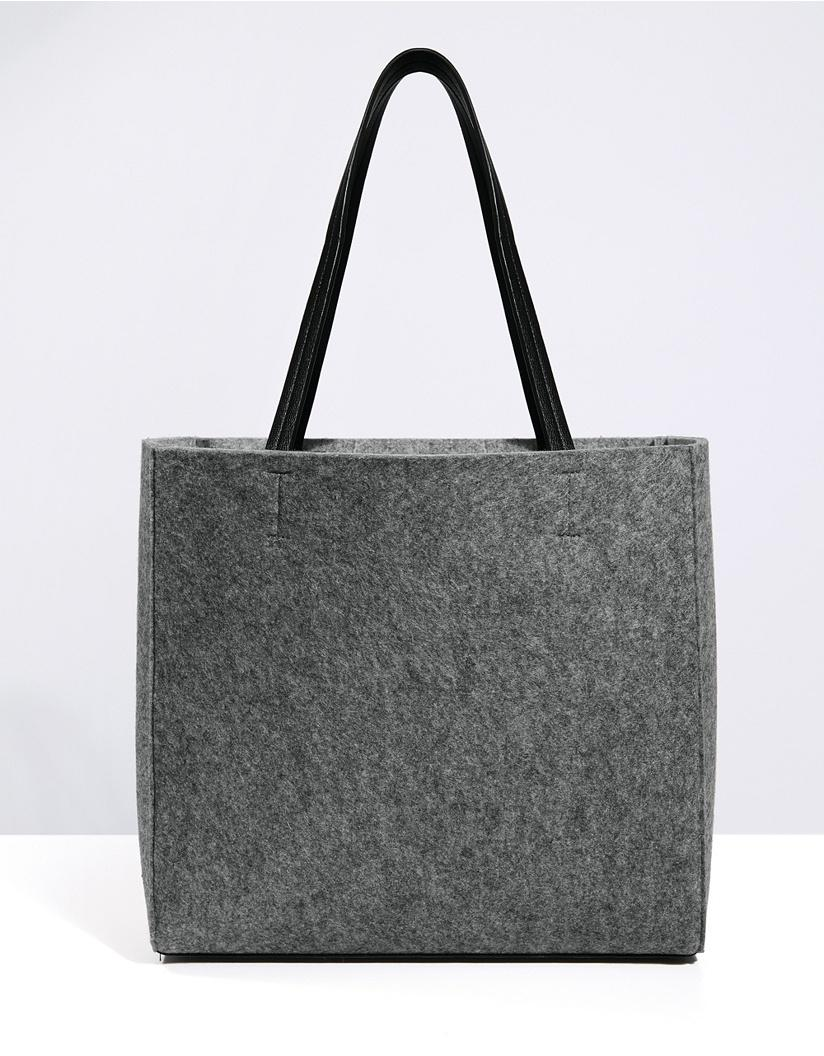 286fb2b1c55f Gallery. Previously sold at  The White Company · Women s Saint Laurent  Cabas Women s Oversized Bags ...